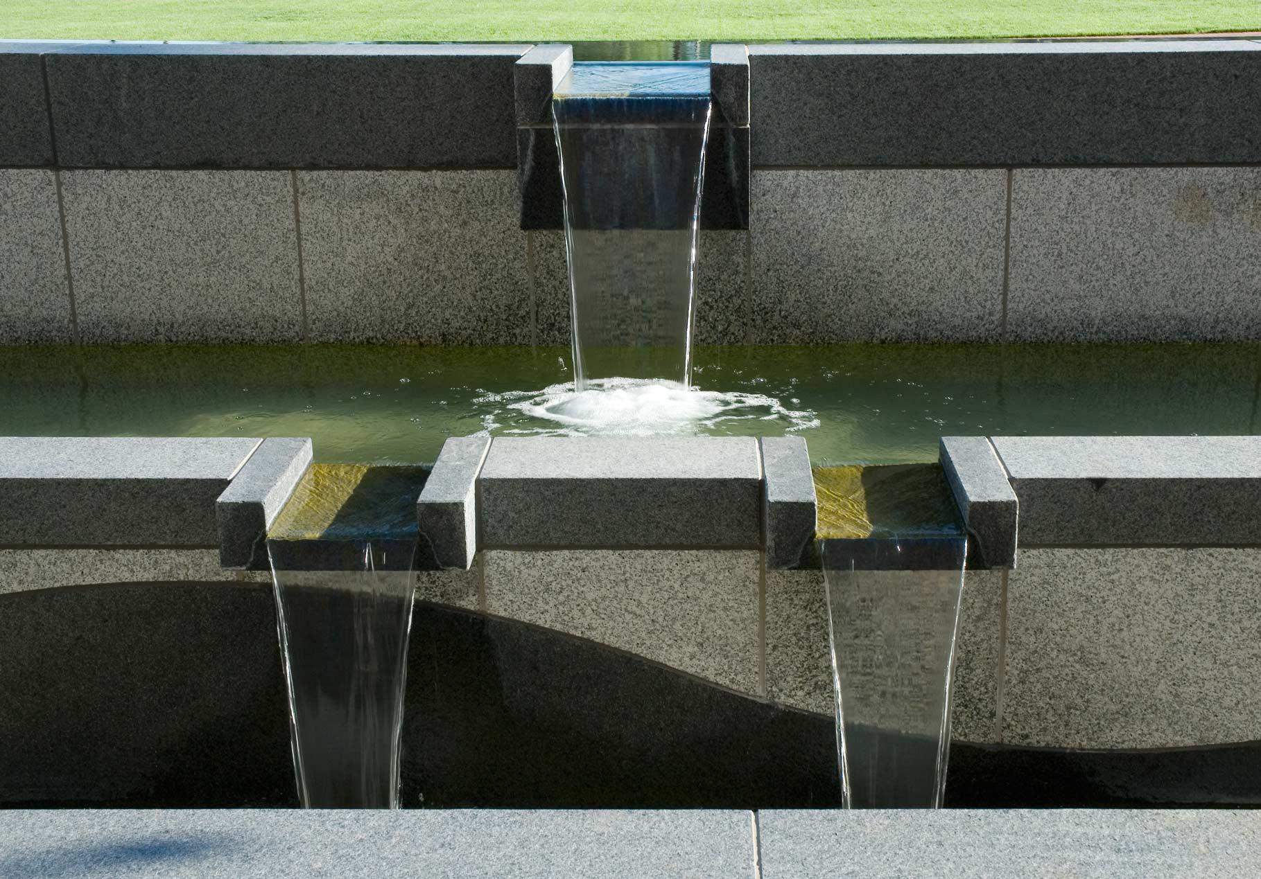 DOT-003-fountain-north-detail-2.jpg