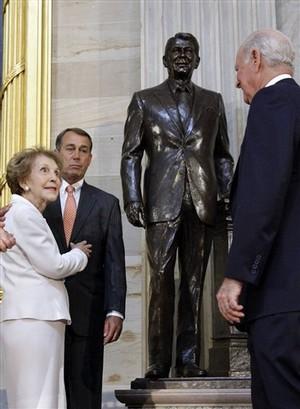 Reagan_Statue.jpg