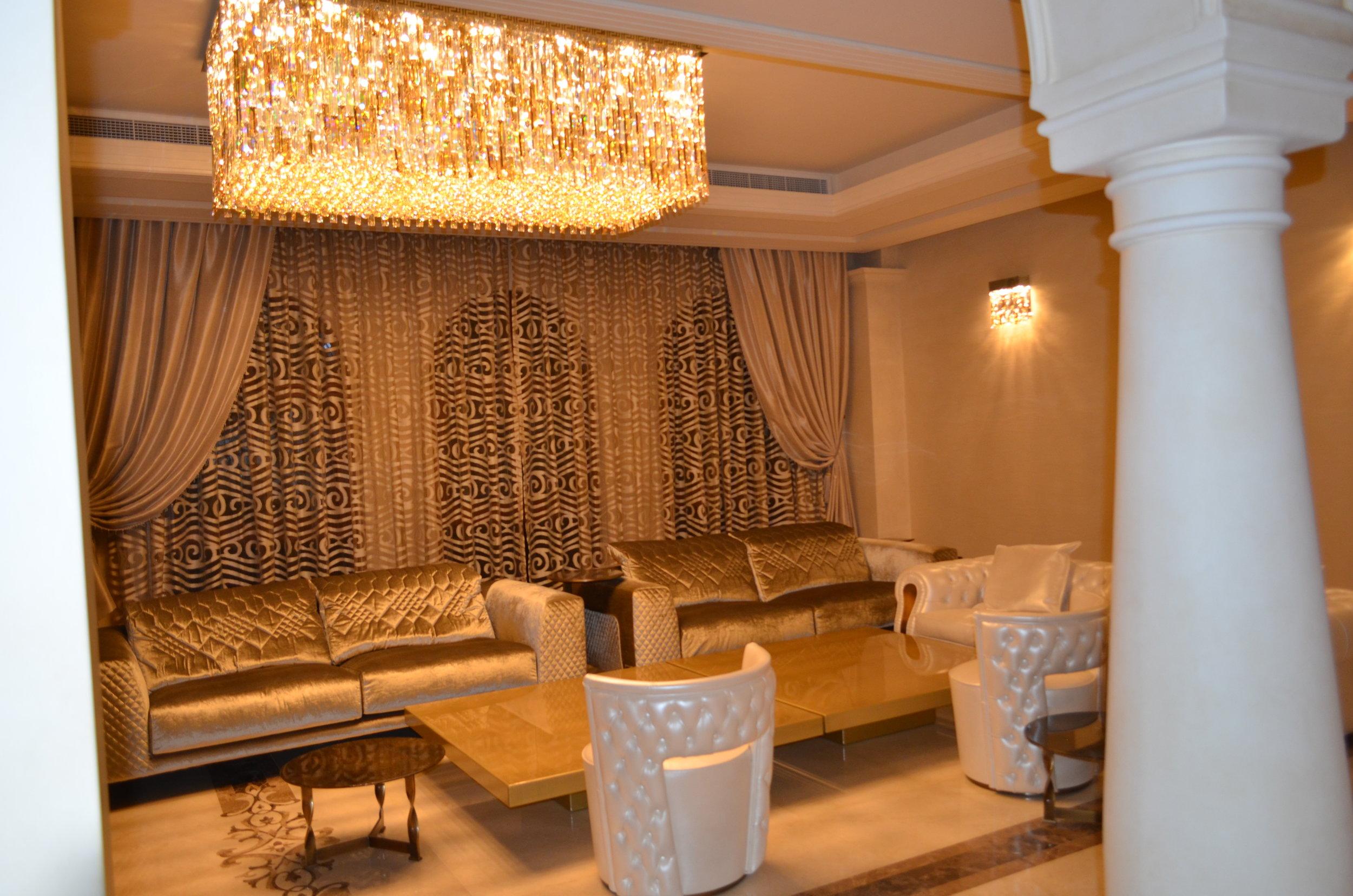 Wranovsky-Dubai-Lobby-3.JPG