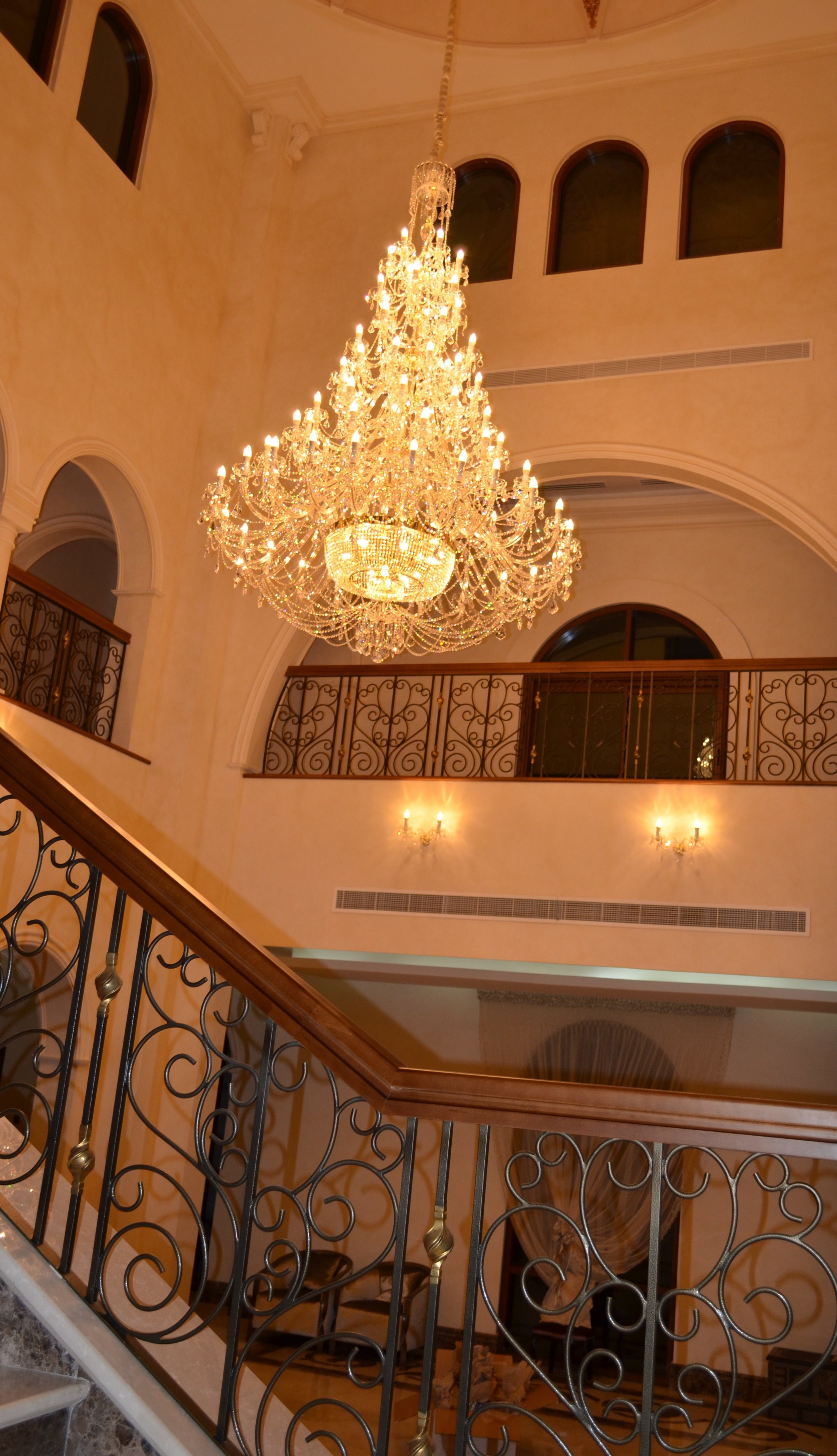 Wranovsky-Dubai-EntranceHall-3.JPG