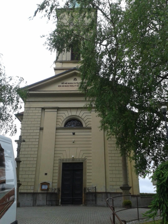 lustr-kostel-morava-2.jpg