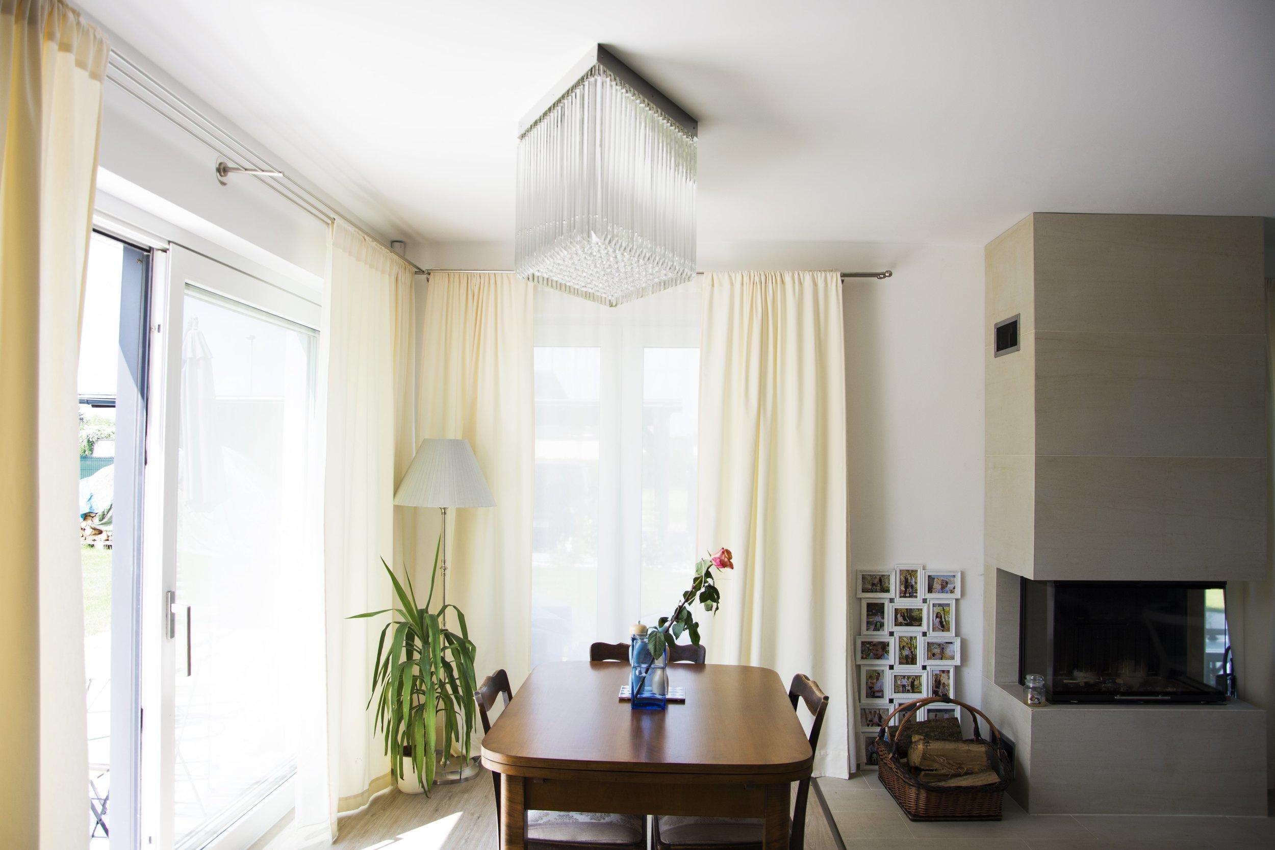 wranovsky_private_villa_chandelier_15.jpg