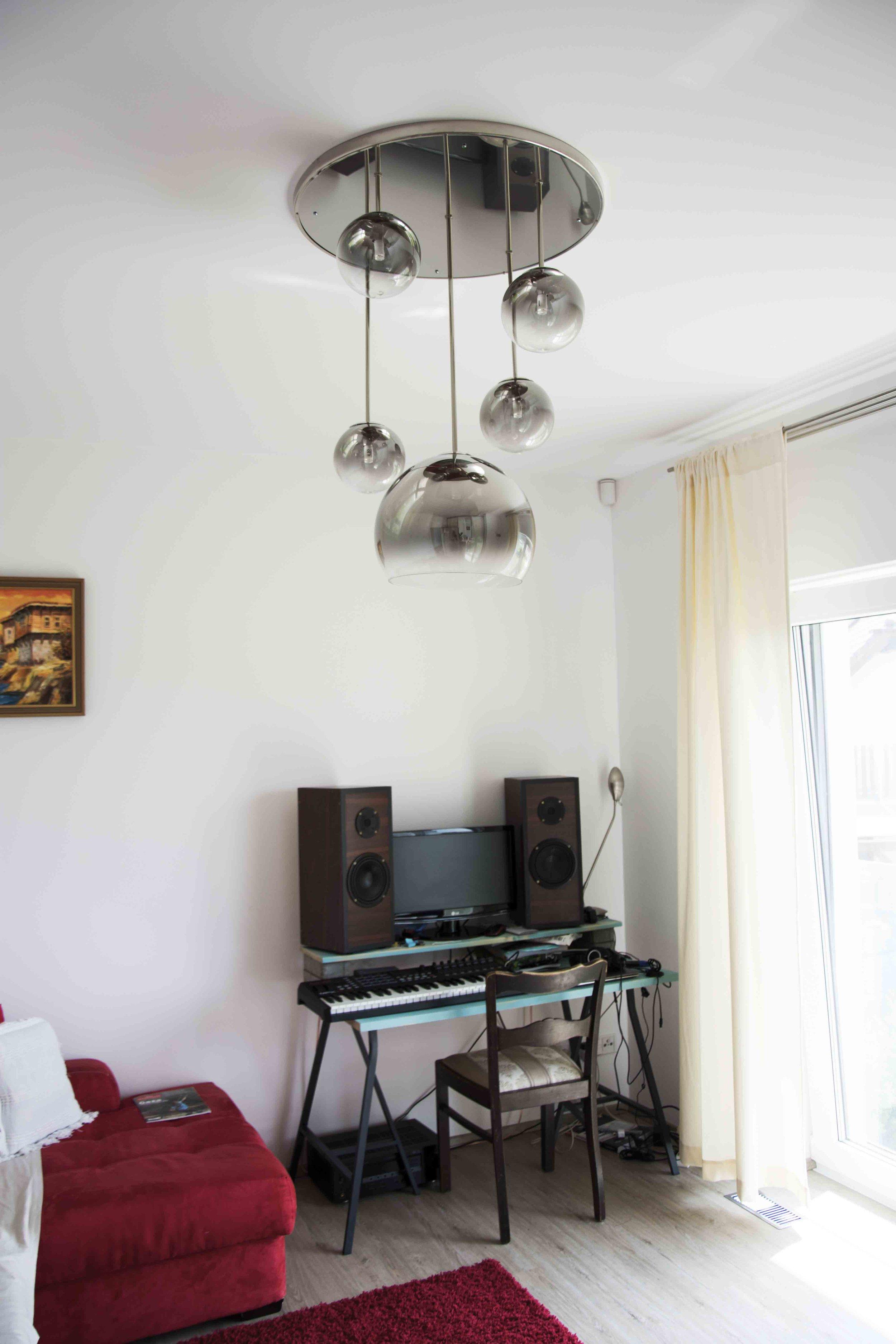 wranovsky_private_villa_chandelier_21.jpg