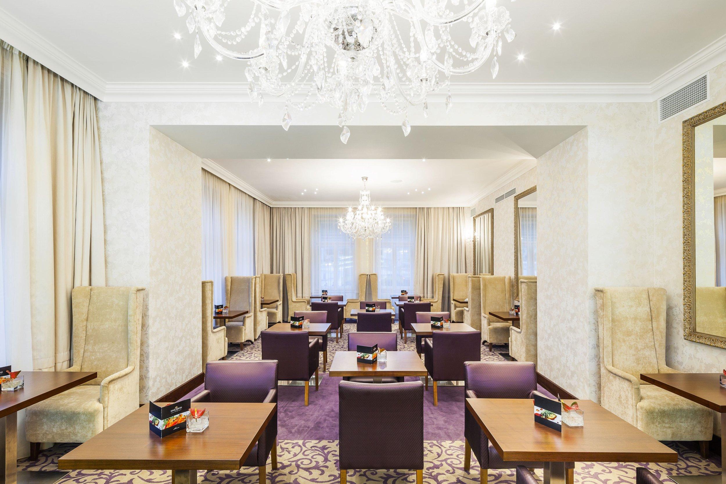 Hotel-King-David-Wranovsky-Crystal-Chandelier-3.jpg