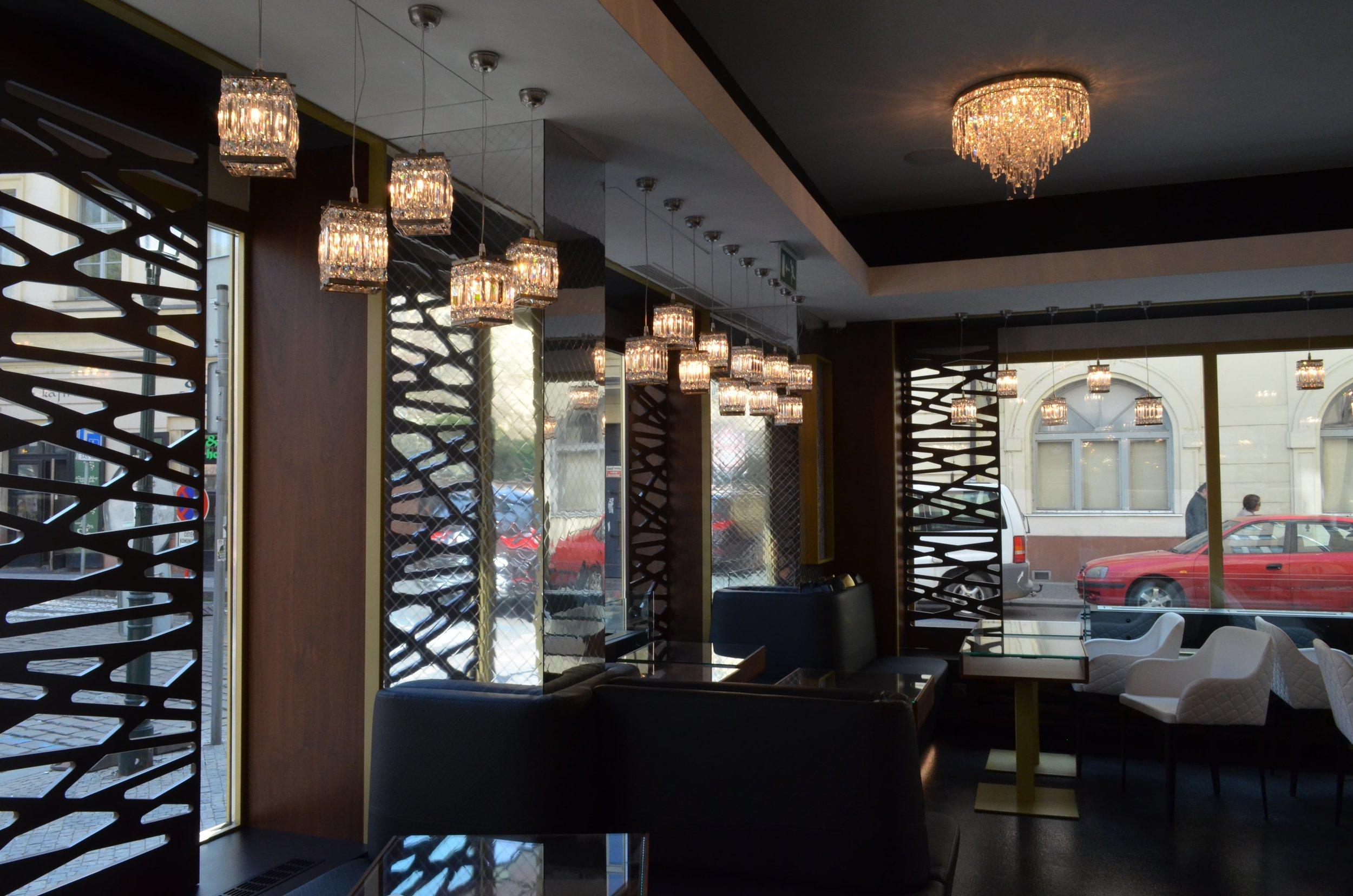 hotel-mysterius-wranovsky-crystal-chandeliers-2.JPG