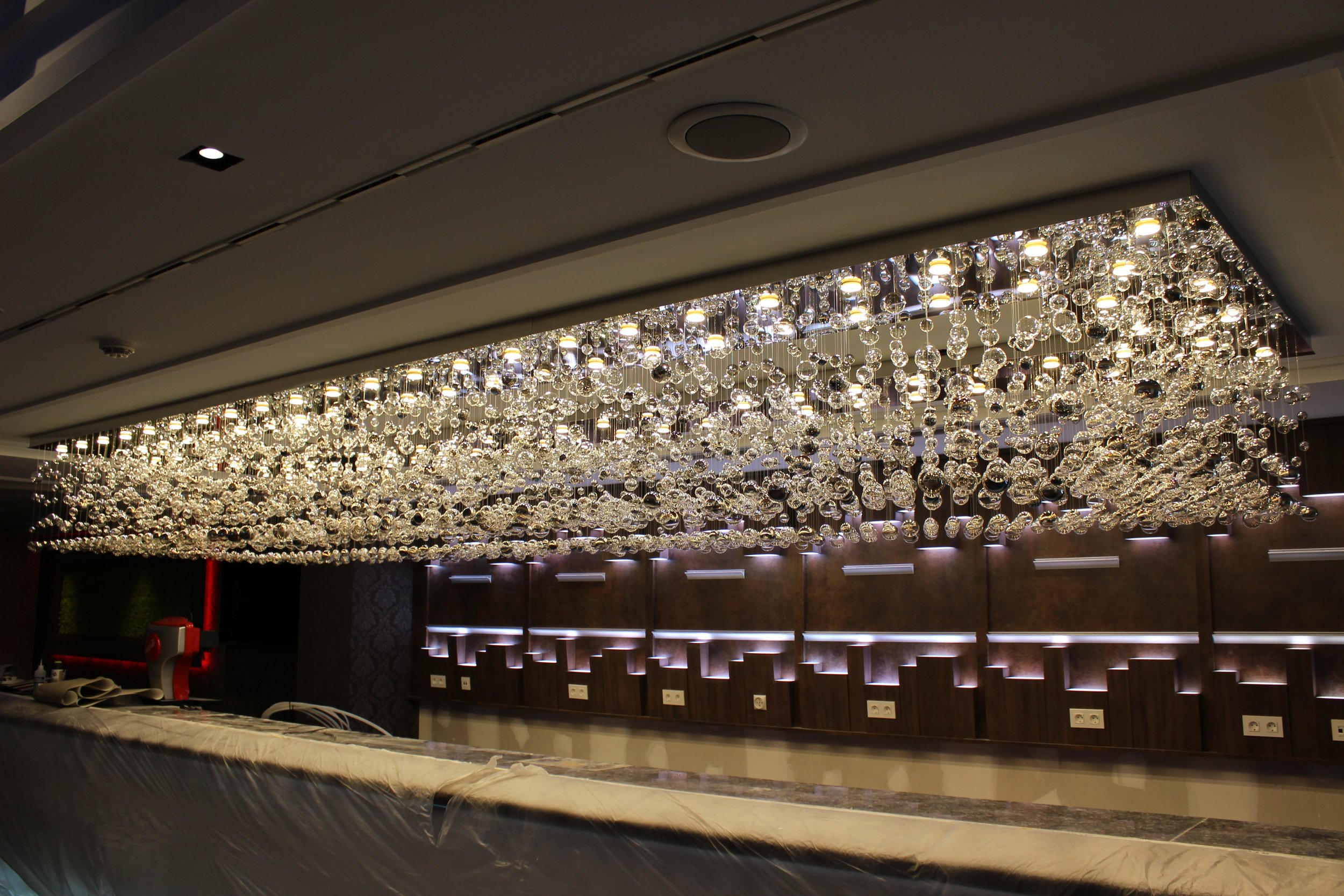 casino-spain-wranovsky-crystal-chandeliers-2.JPG