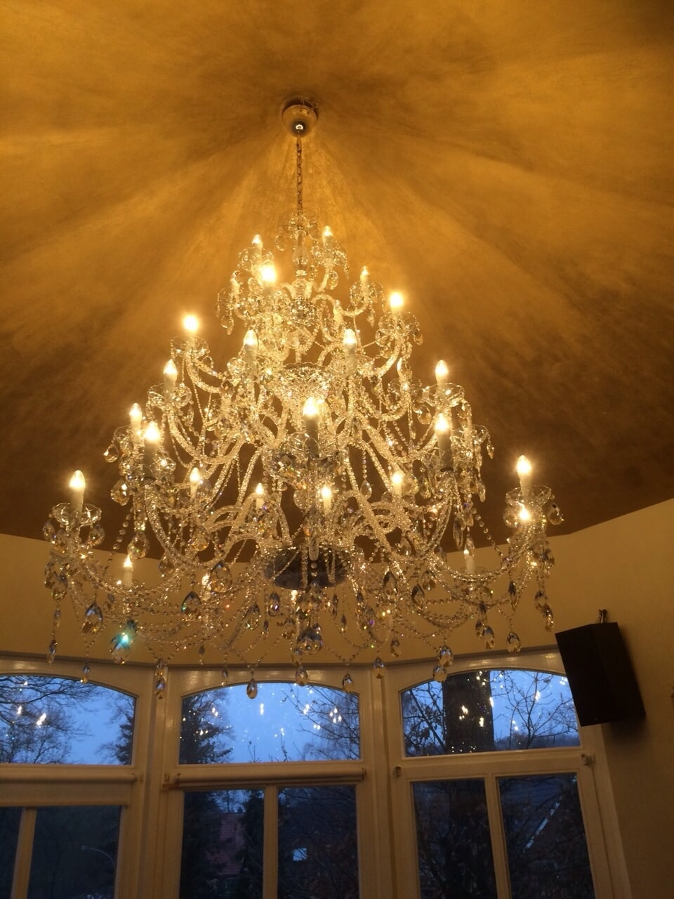 JWZ 116362101, interiér, Grandiose v interiéru, Německo restaurace Gold a Gray 2014 (6) .jpg