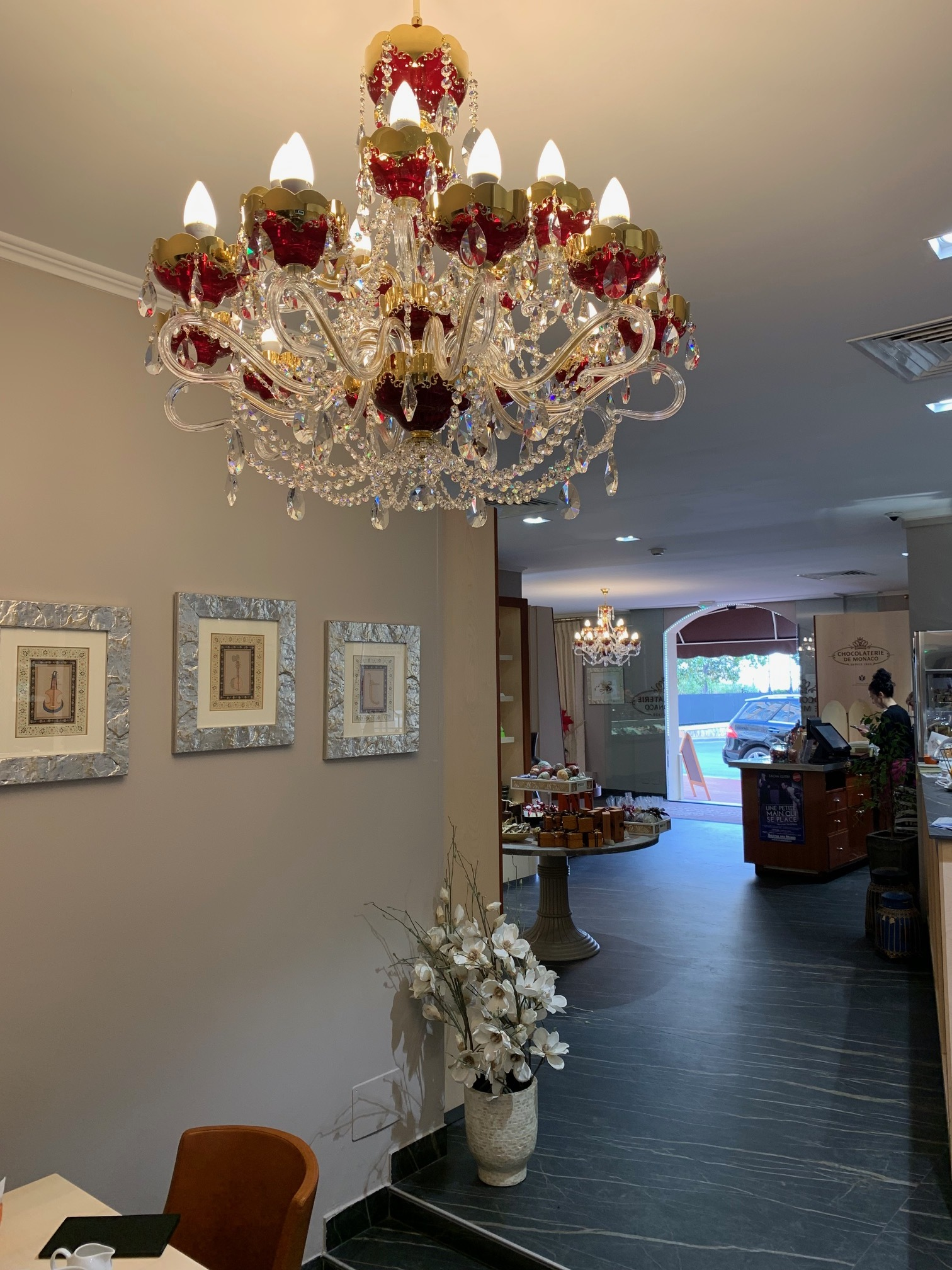 Chocolaterie-de-monaco-chandeliers-wranovsky-1.jpg