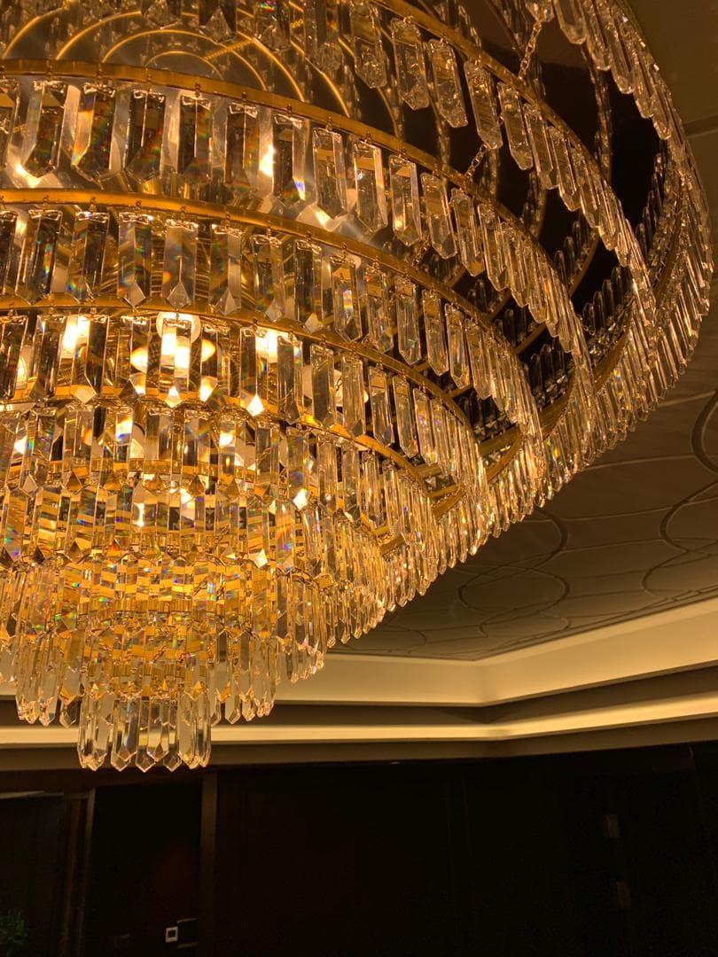 private-villa-china-wranovsky-crystal-chandelier-11.jpeg