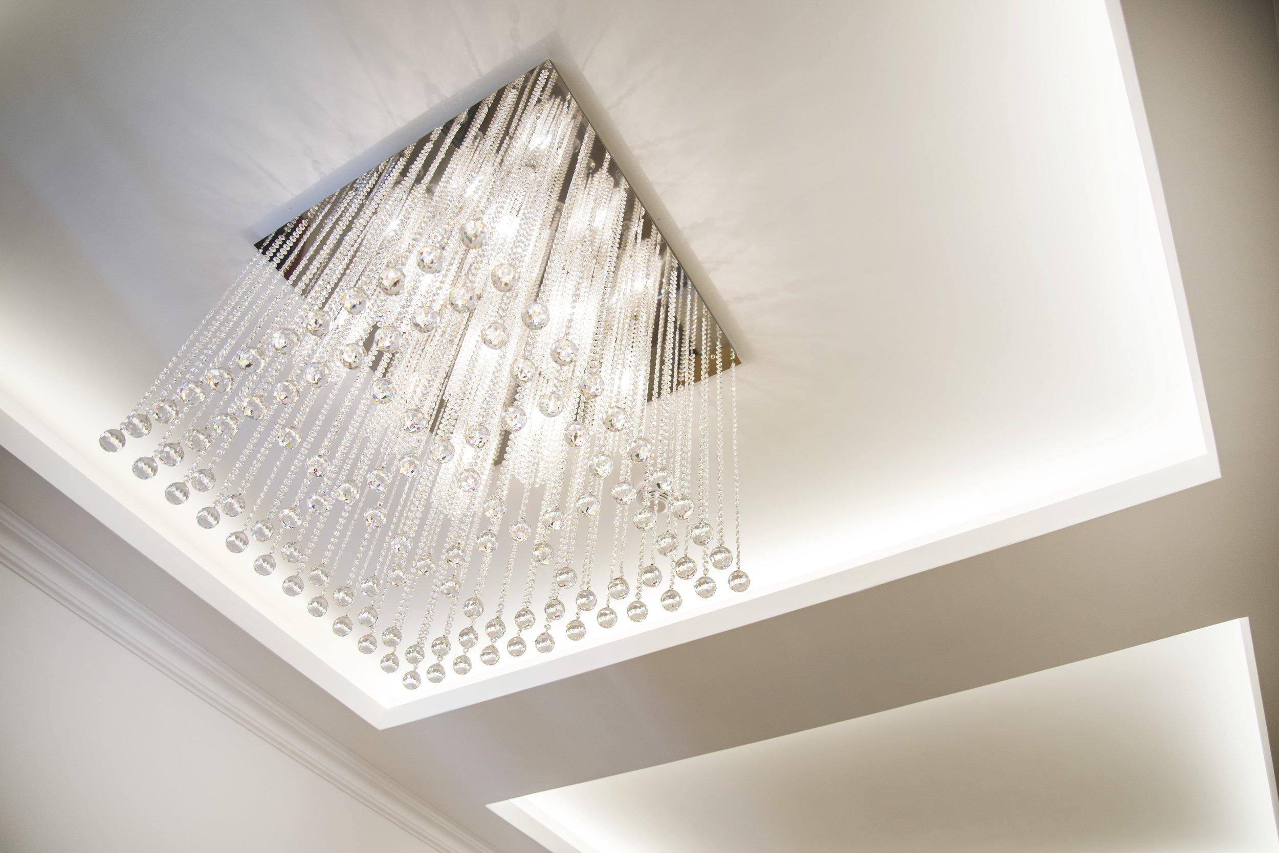 apartment-modern-wranovsky-crystal-chandeliers-1.jpg