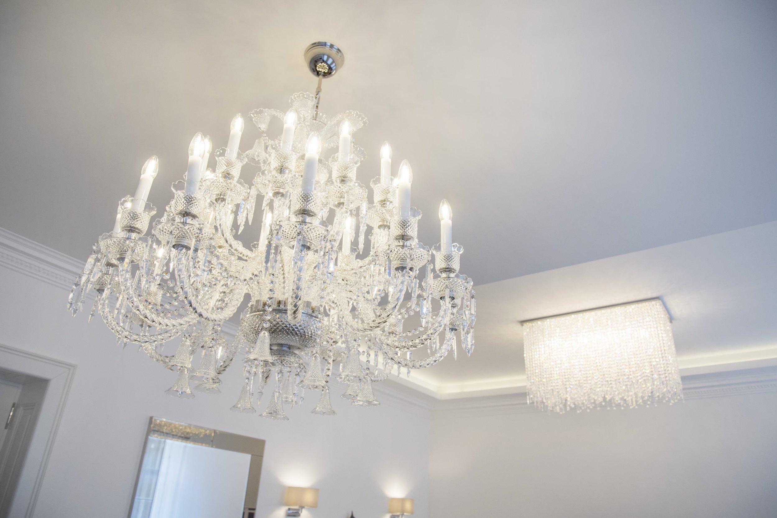 apartment-modern-wranovsky-crystal-chandeliers-2.jpg