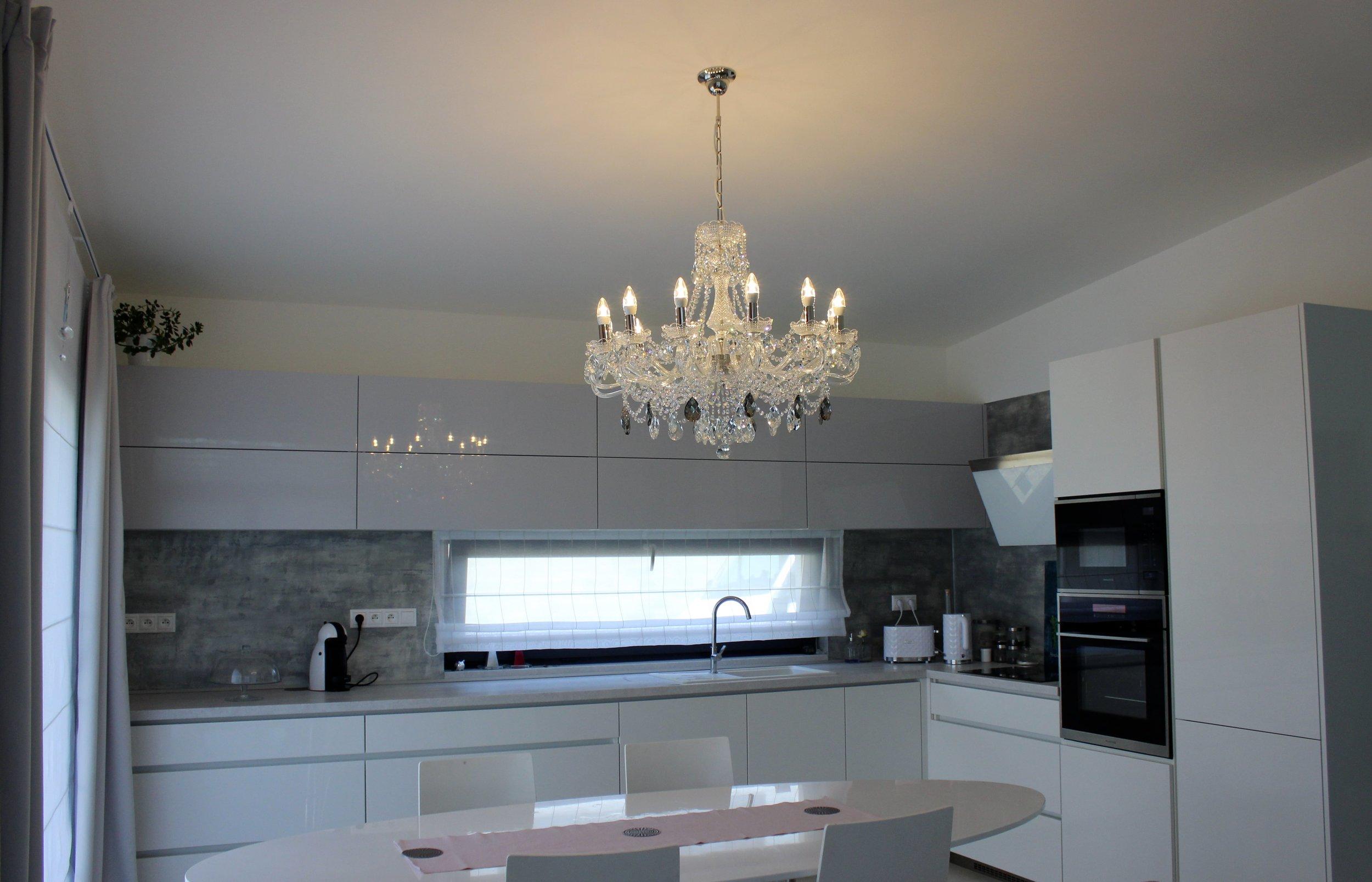 crystal-chandelier-wranovsky-interior-design-prague-1.jpg