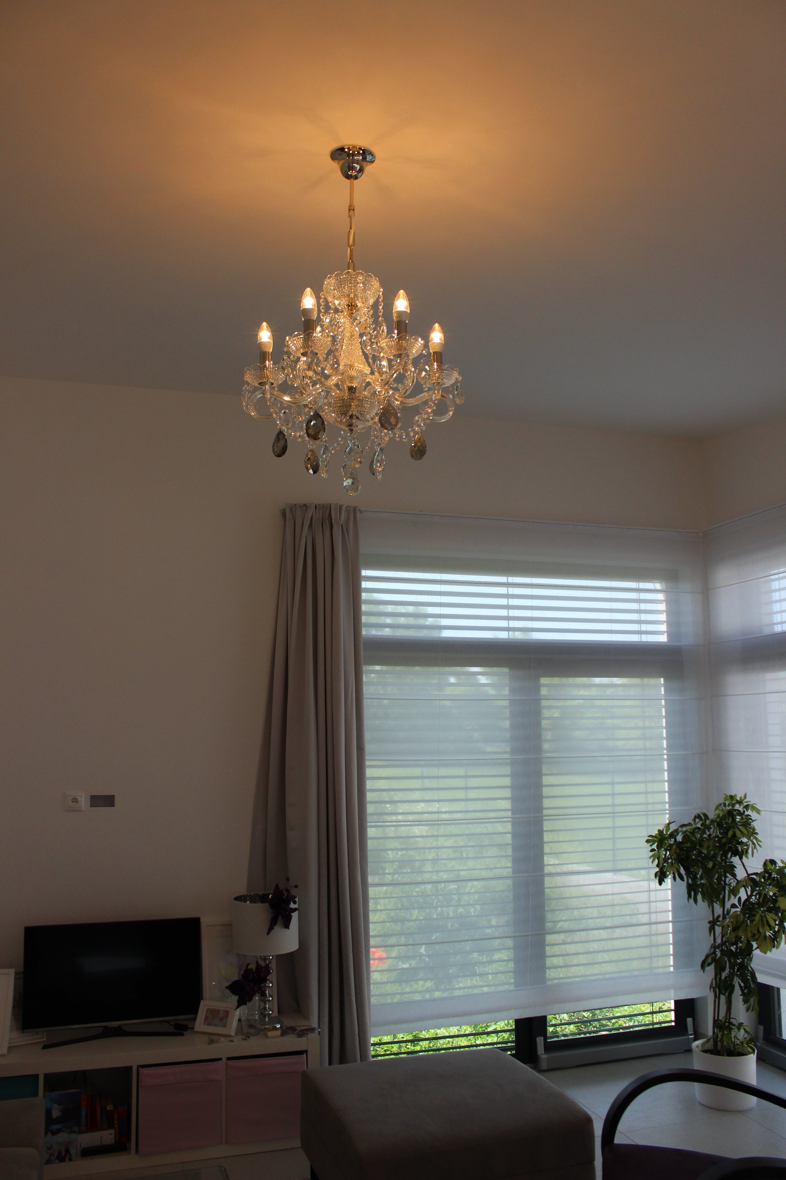 crystal-chandelier-wranovsky-interior-design-prague-6.JPG