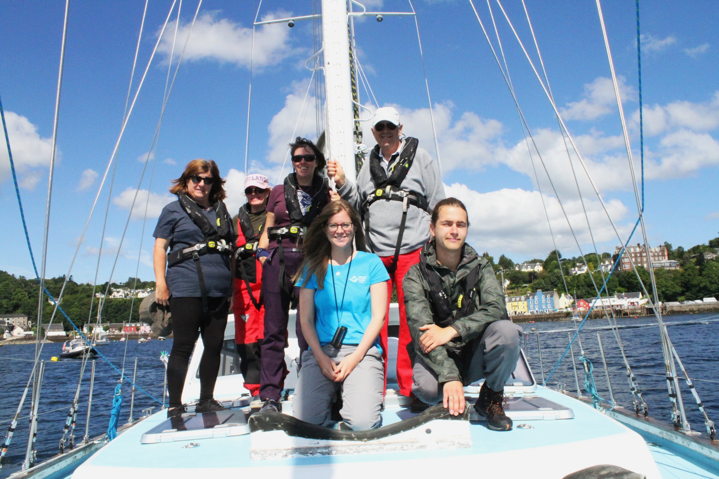 Our team of citizen scientists and Biodiversity Officer, Becky (bottom centre)