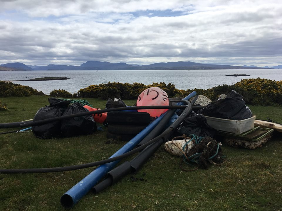 Beach clean at Red Point