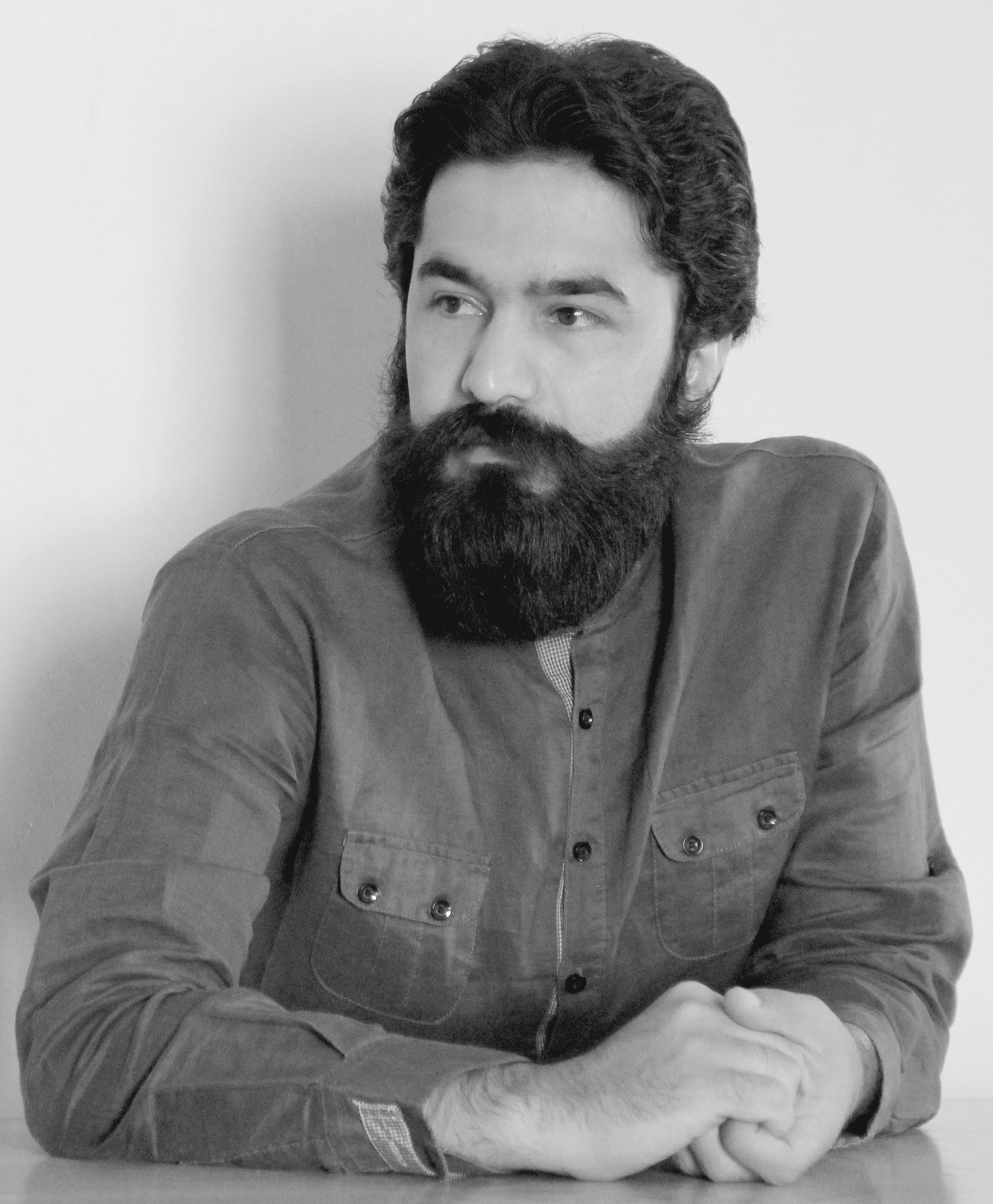Saeid Aliari  / Iran  'Saeid Aliari' is faculty member of the 'Industrial design department' at the 'Art University of Isfahan'.He believes that design makes the future.On the other hand, culture is an integral part of design, so design should have originality. From his view precise understanding of culture, thinking critically and creativity are the key features that can be effective to make the future.