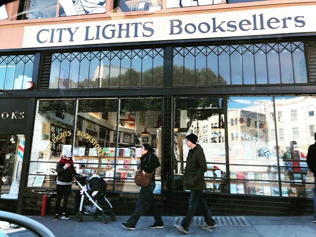 City Lights Booksellers, San Francisco,  California, published Perry Higman's of @justplainfamous -  first book, Love Poems from Spain and Spanish America, in 1986. 📸 : @justplainfamous  @lclyon  @citylightsbooks #justplainfamous #citylightsbooks #perryhigman #poems #poetry