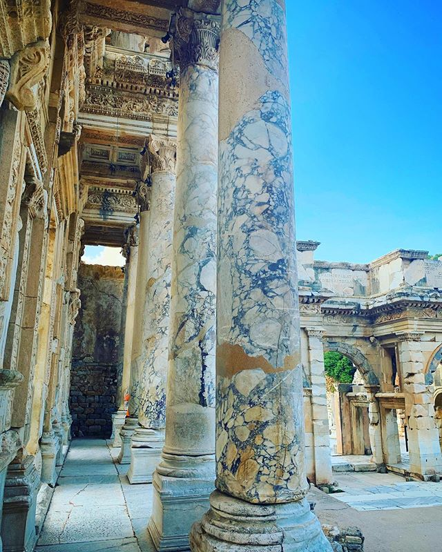 To think that #Cleopatra and #MarkAntony once walked here! 🤯🤯🤯 #Ephesus  #turkiye