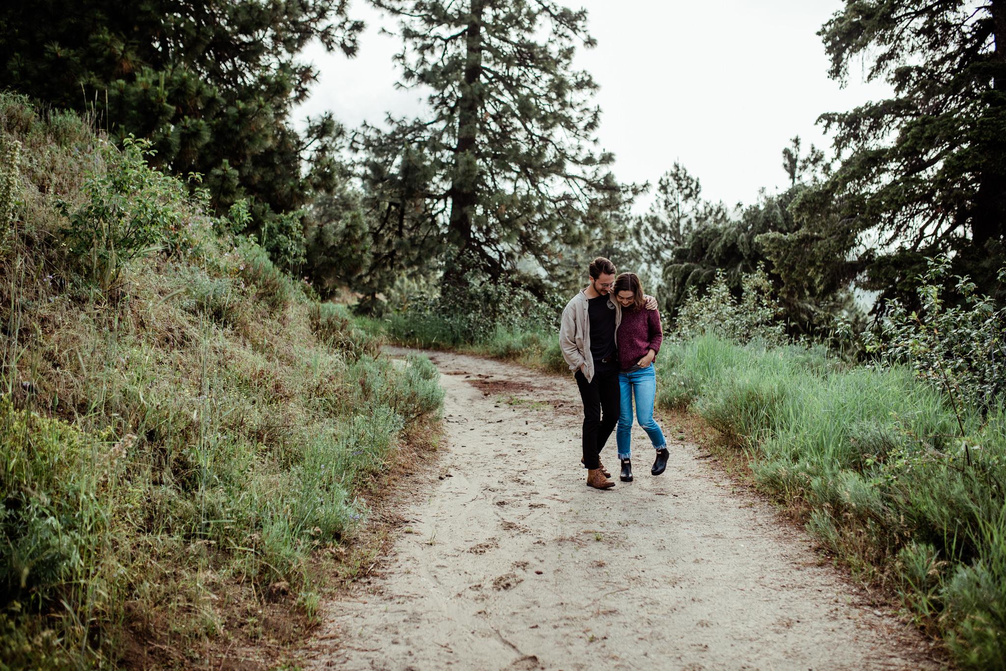 Boise Wedding Photographer // Idaho engagement photographer // Cozy Posing // Sweaters // PNW Engagement // Wedding // Idaho Engagement Session // Natural Couples Posing Ideas // Cozy Sweaters // hipster couples // mountain couples photography // Mountains // couples Outfit Ideas // levis // casual couples outfit // Summer couples session // bogus basin // Forest // coffee session // guitar // boise couples photographer // SS Photography & Design // Sadie Shirts