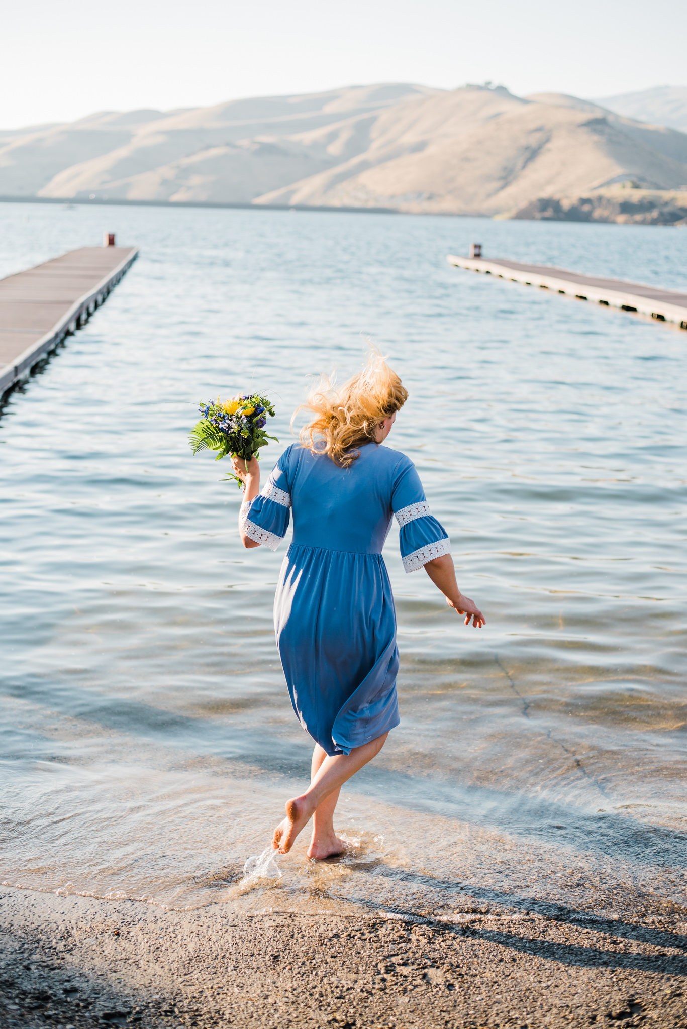 Boise Wedding Photographer // Idaho engagement photographer // Cozy Posing // PNW Engagement // Idaho Engagement Session // Natural Couples Posing Ideas // picnic ideas // waffles // aesthetic // beach couples photography // lake // couples Outfit Ideas // cute couples outfit // Summer couples session // lucky peak // adventure photography // boise couples photographer // SS Photography & Design // Sadie Shirts