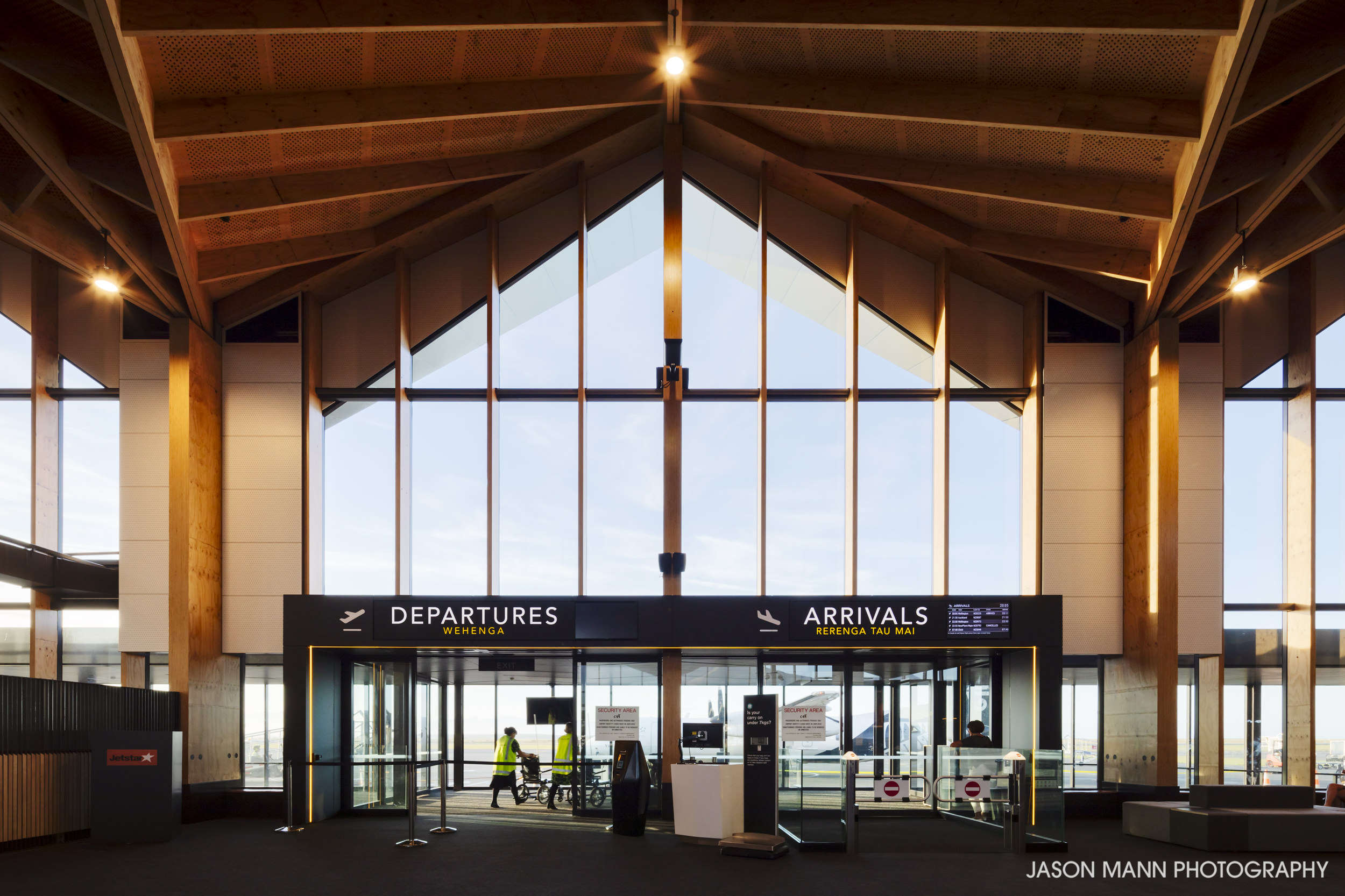 Jason_Mann_Nelson_Airport_03.jpg
