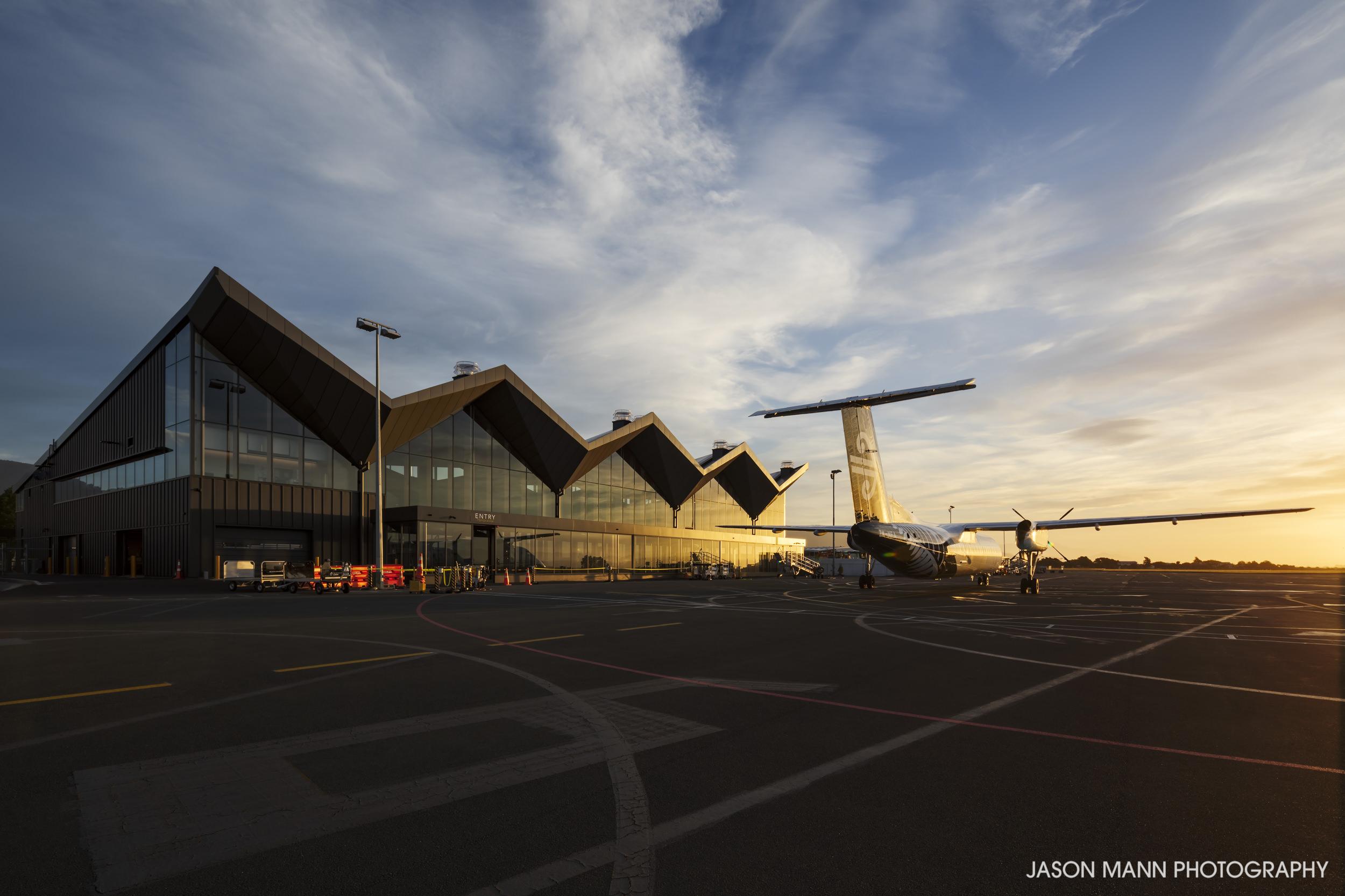 Jason_Mann_Nelson_Airport_04.jpg