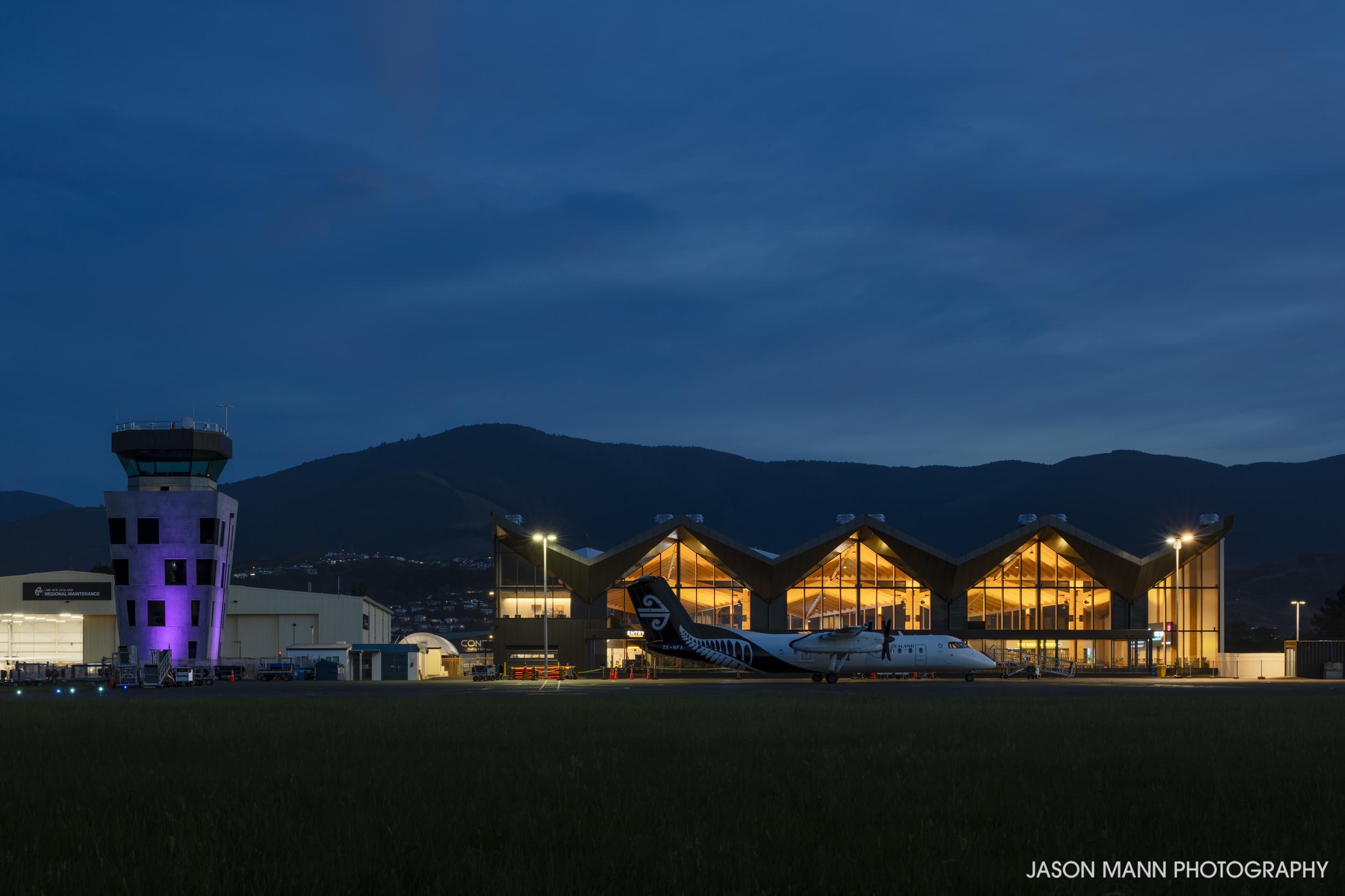Jason_Mann_Nelson_Airport_06.jpg