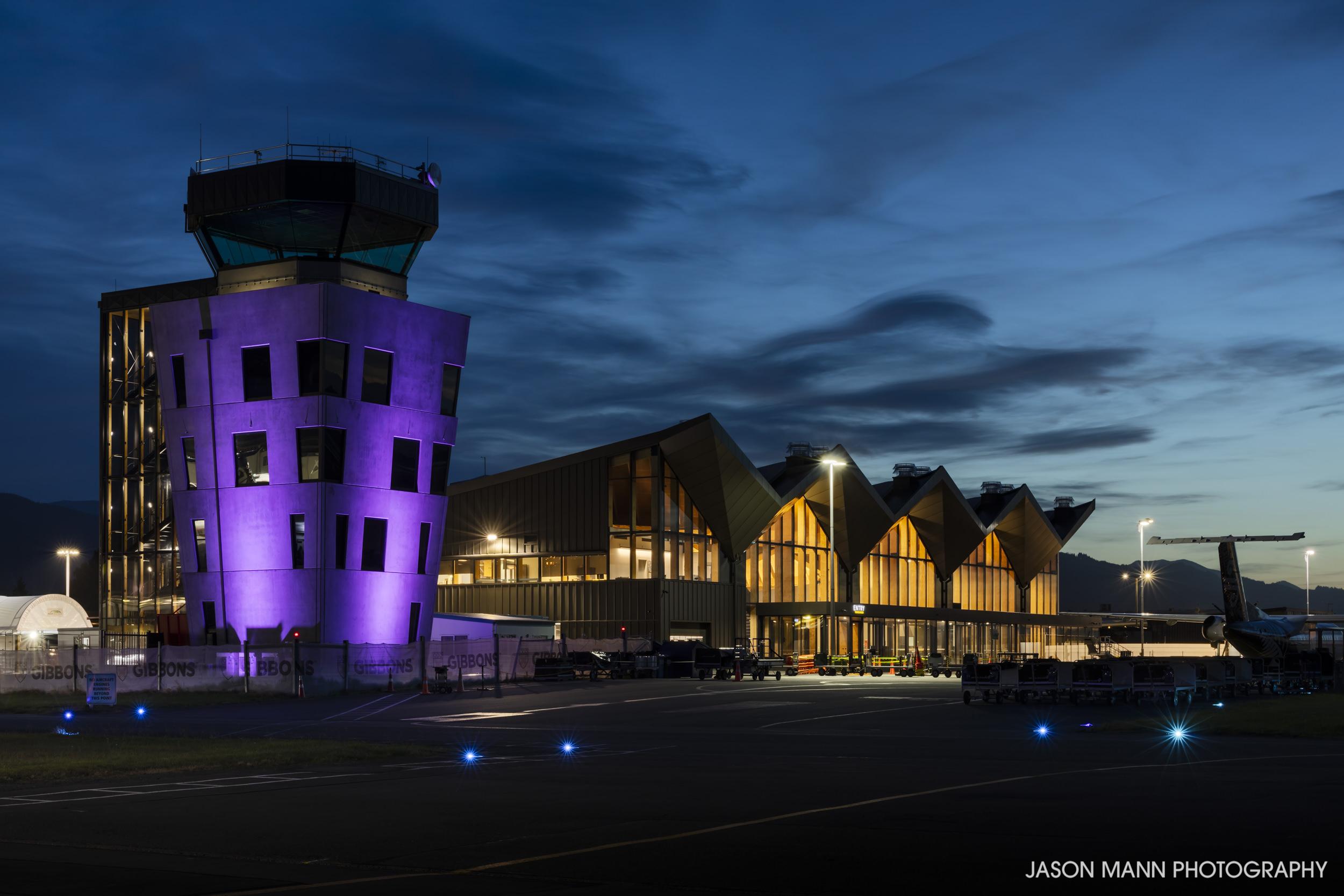 Jason_Mann_Nelson_Airport_07.jpg