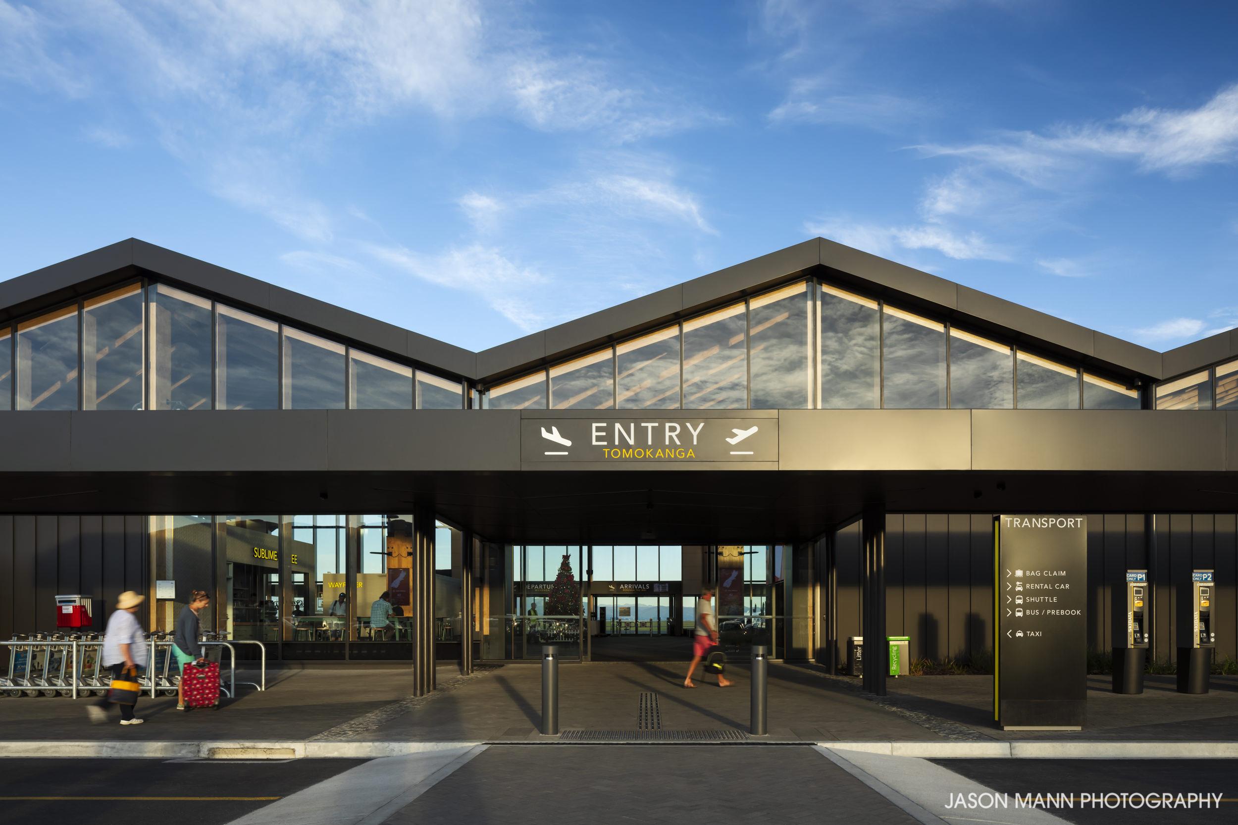 Jason_Mann_Nelson_Airport_13.jpg