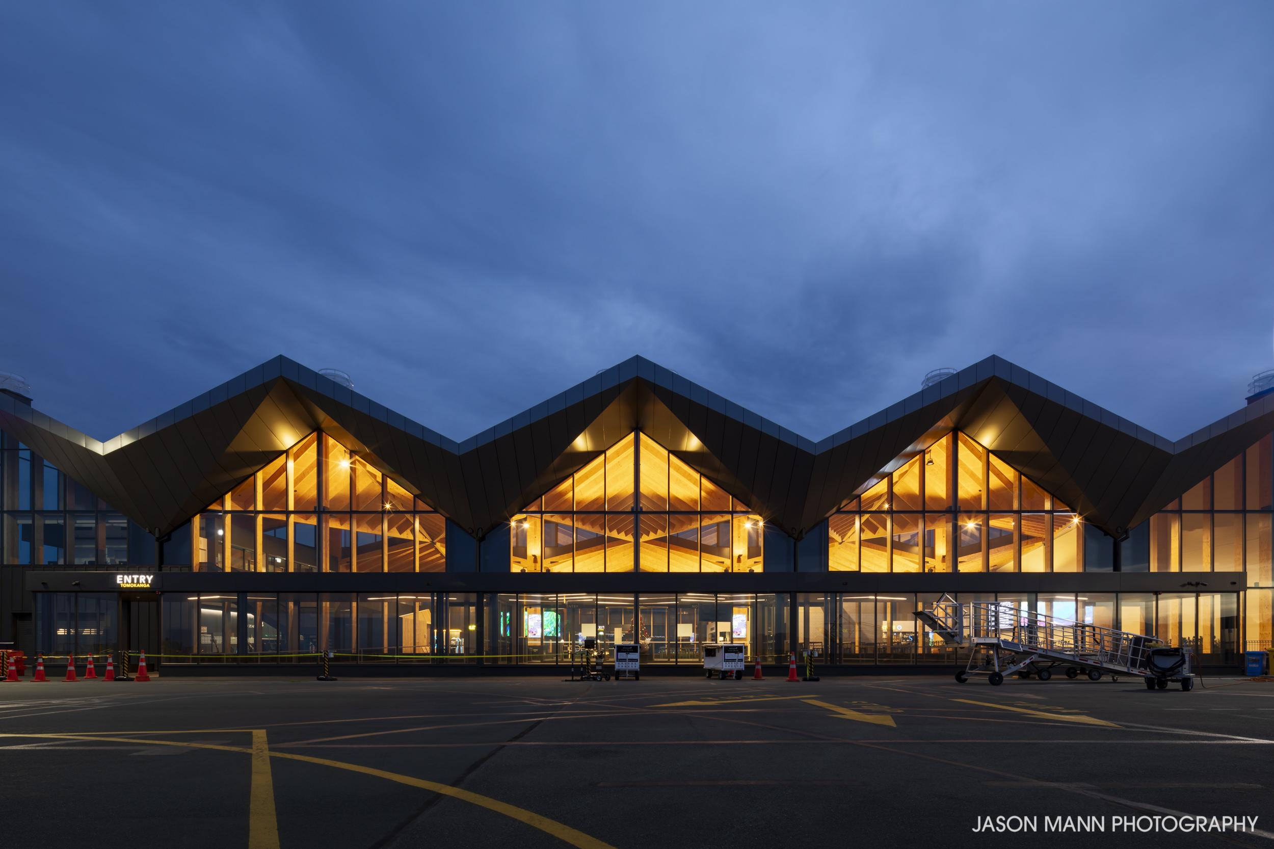 Jason_Mann_Nelson_Airport_16.jpg