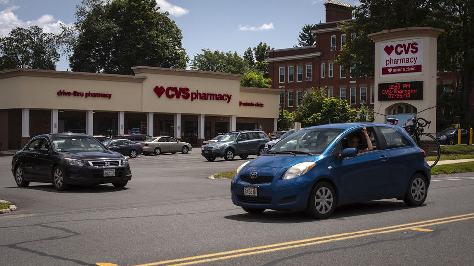 One drugstore dispensed a lot of painkillers. But that's not the whole story - Boston globe, Jonathan Saltzman and Felice J. Freyer