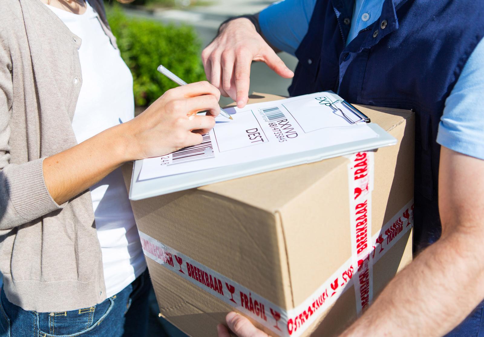 parcel_delivery_creditshutterstock.jpg