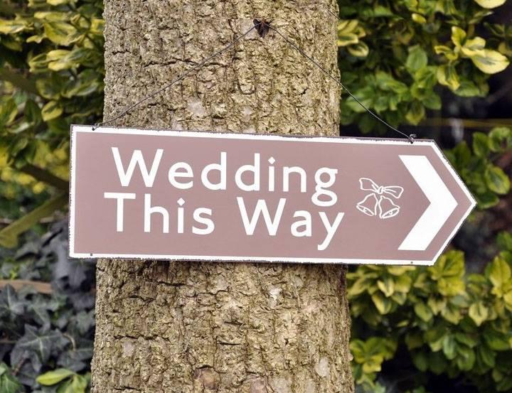 Tin Wedding This Way Arrow