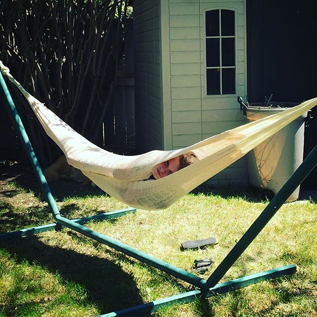 My fave spot is our hammock ... and turning it into a burrito hammock. Raise your hand if you love hammocks too 🙋🏼♀️🙋🏼♂️ . #getgonegang #kidtravel #kidbloggers #capturecalgary #loveyyc #summervibes #hammocklife