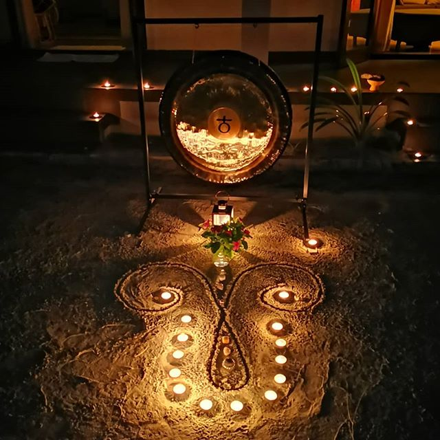 Last night, our garden was transformed into a ceremonial space to welcome and work with the energy of the Hunter's Moon. Left our @tulamala crystals overnight under the moonlight so they could bathe and sing along too. A very special evening 💜 #tulamala #fullmoon #aries #gongbath #kundaliniyoga #soundhealing #earth #gratitude #newbeginnings #release #breathe #love #crystals #blessings #maldives #anantarakihavah