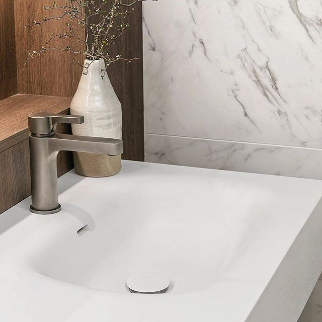 Obsessed with this iStone basin and graphite tapware. #interiordesign#bathroomdesign #customjoinery