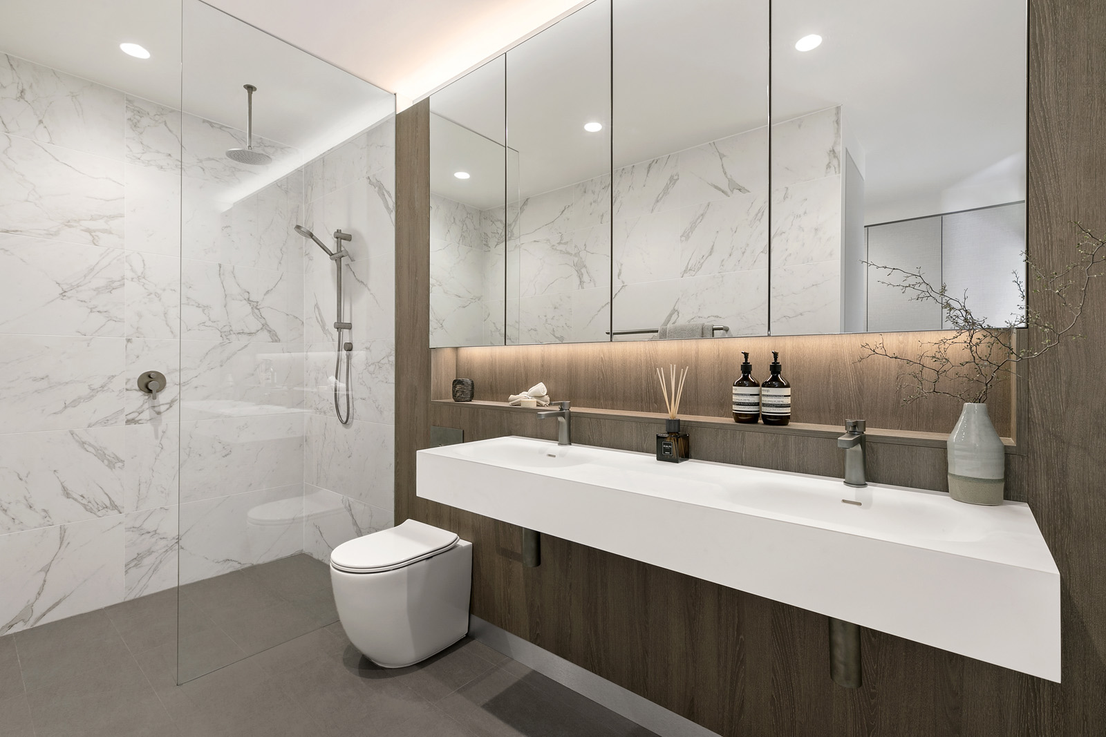 3.Bathroom.jpg
