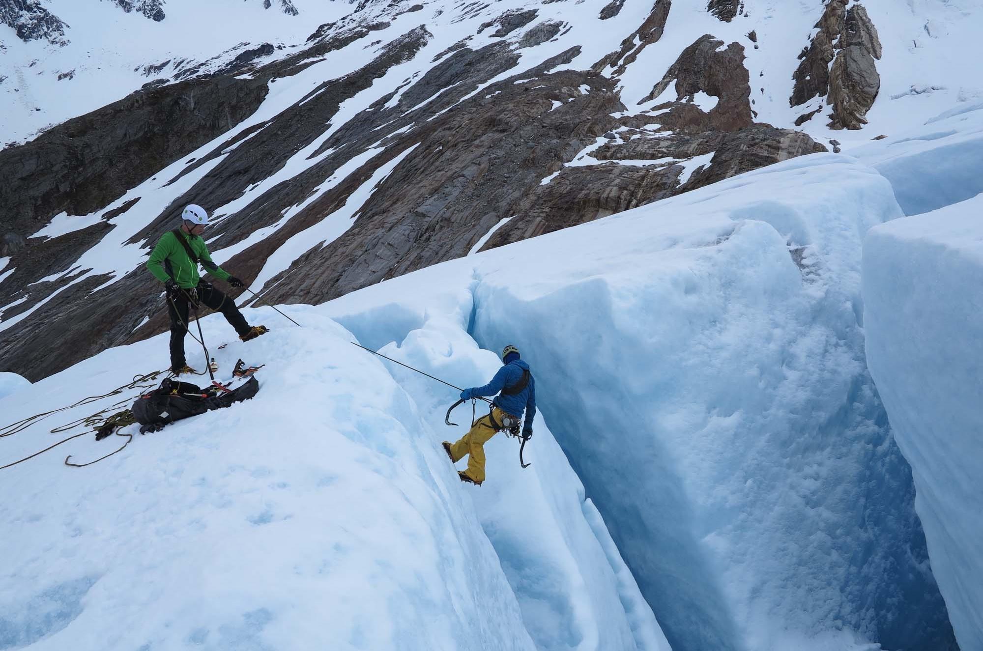 Beyond Limits - Ice climbing - mountain trips - kayak