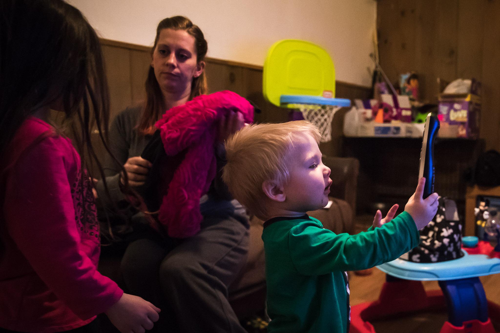 working-parents-home-evening-photos