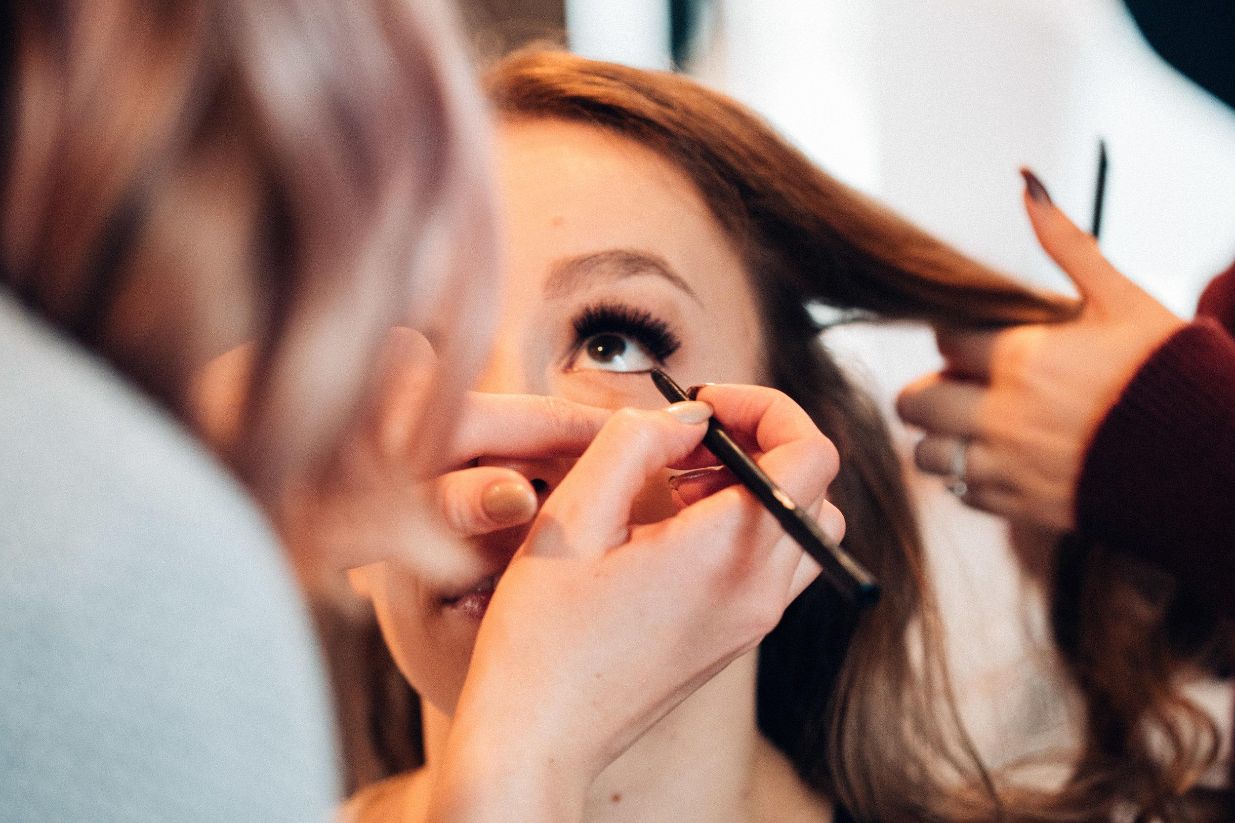 hudsonvalley-photographer-vendors-make-up-hair-portraits-12.jpg