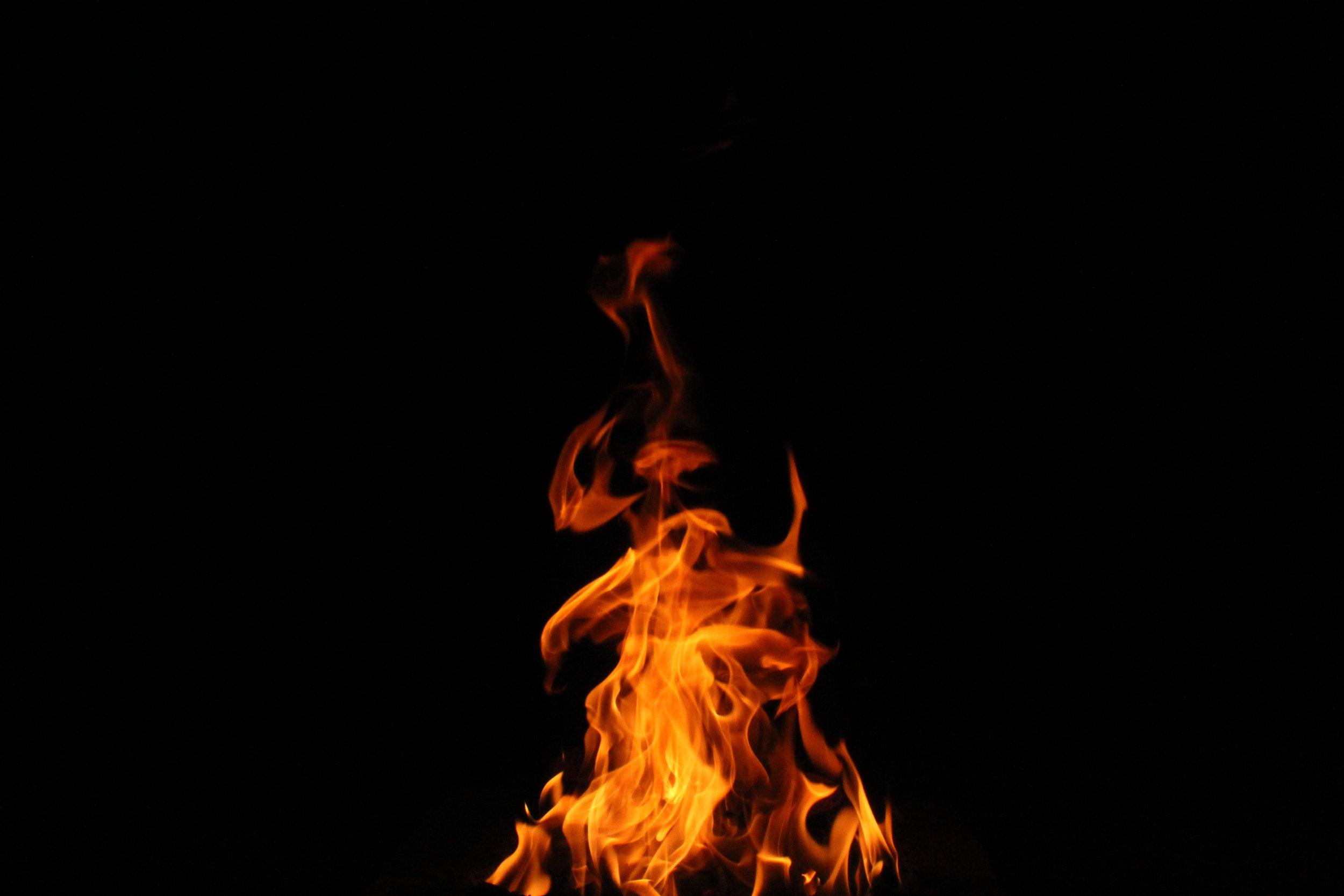 flames-fire-restant-roofing-shakes-cedur.jpg