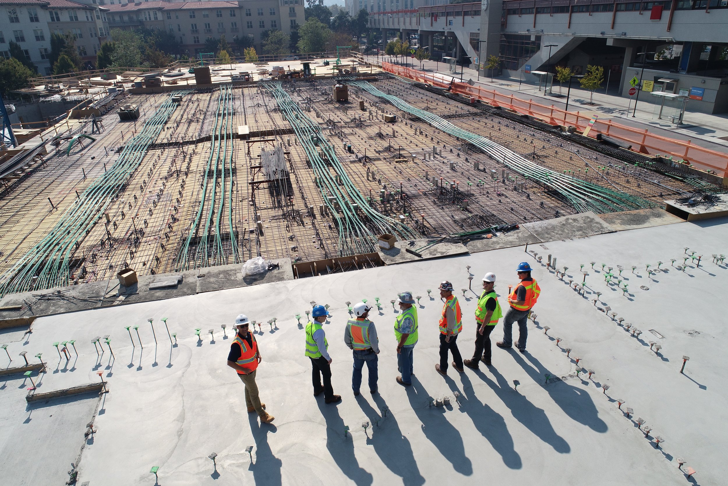 construction+planning+photo+workers.jpg