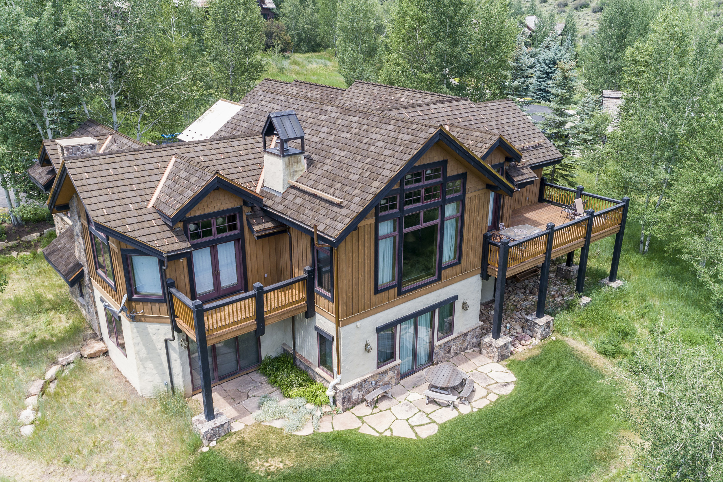 cedur-roof-located-in-colorado-mountains-synthetic-roofing-material.jpg