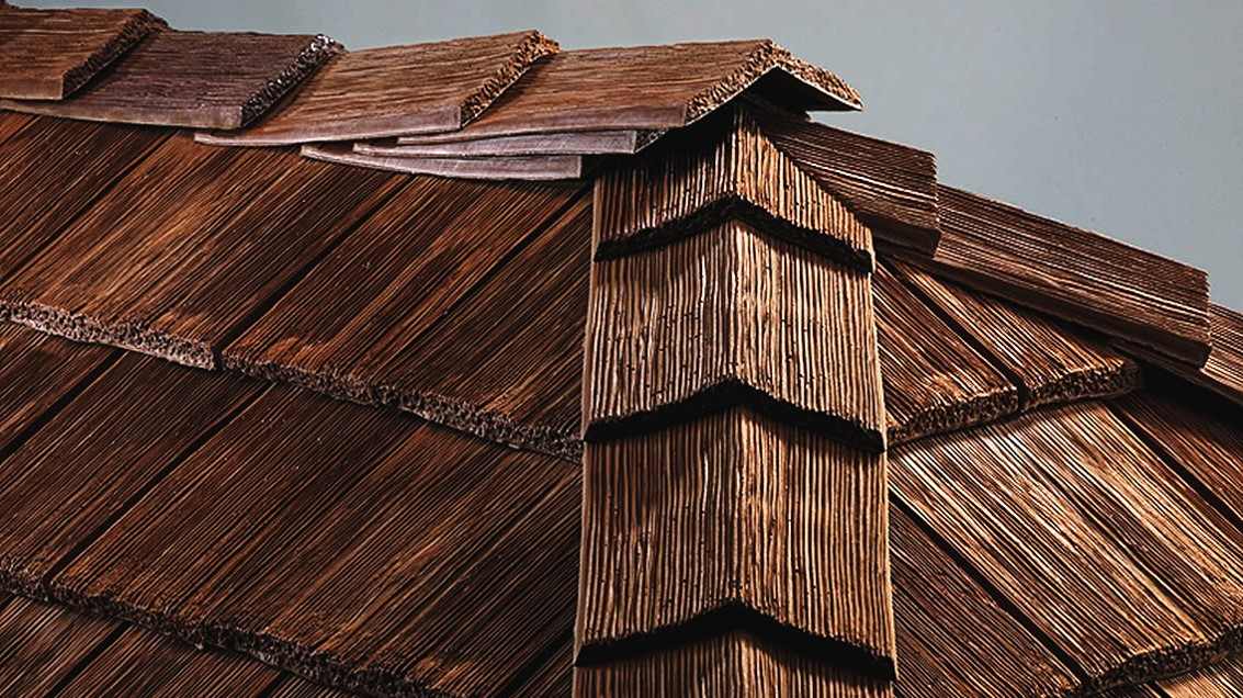 CeDUR-roofing-shakes-photo-of-ridge.jpg