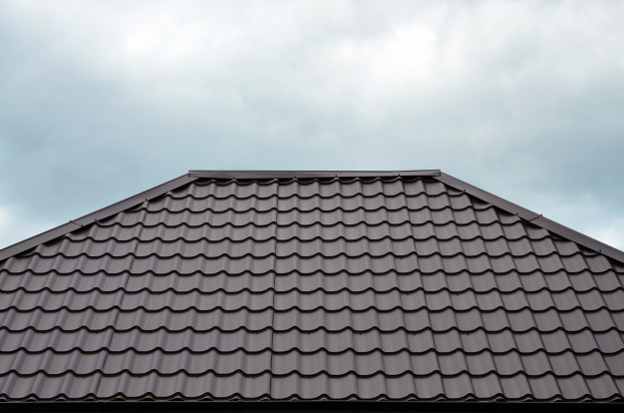5-reasons-metal-roof-shingles-arent-the-best-option.png