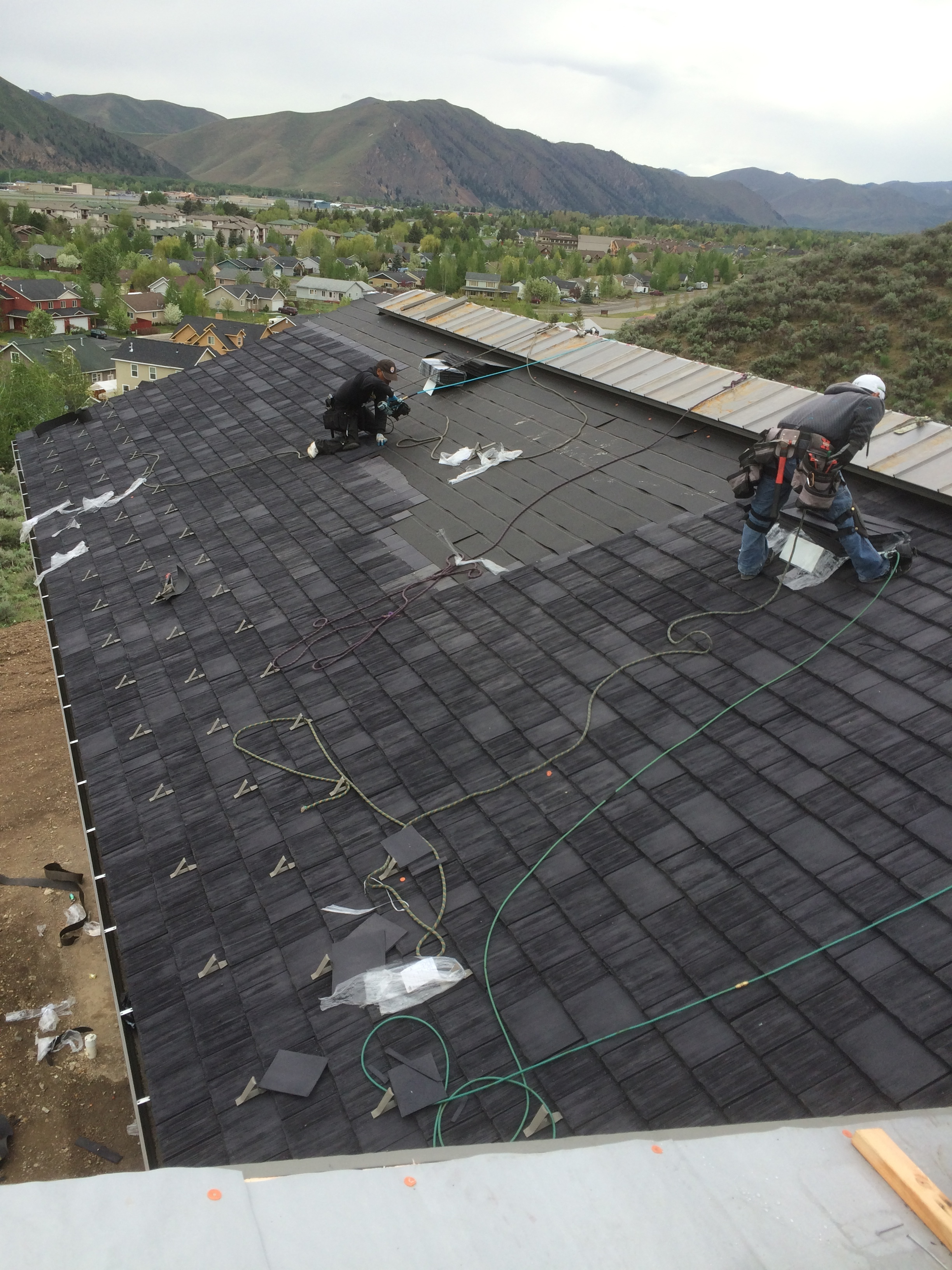CeDUR Shiloh roof staggered installation (4).JPG