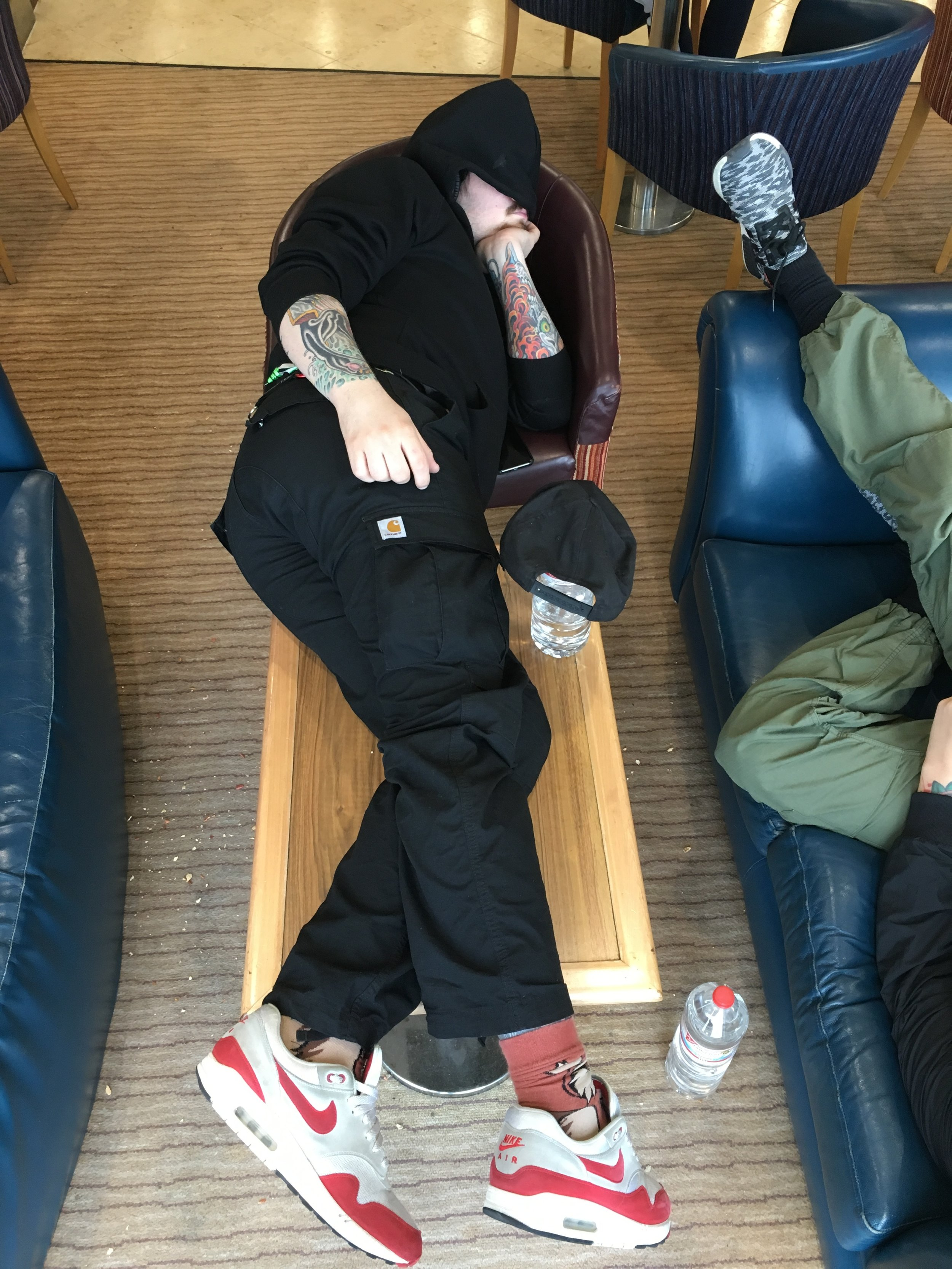 Colin, showing us all again that LOTS OF COMFORT AND UNINTERRUPTED SLEEP IS A MUST WHEN ON TOUR!