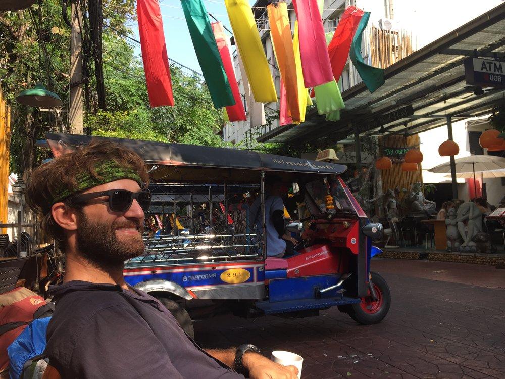 Le Paradoxe — Bangkok