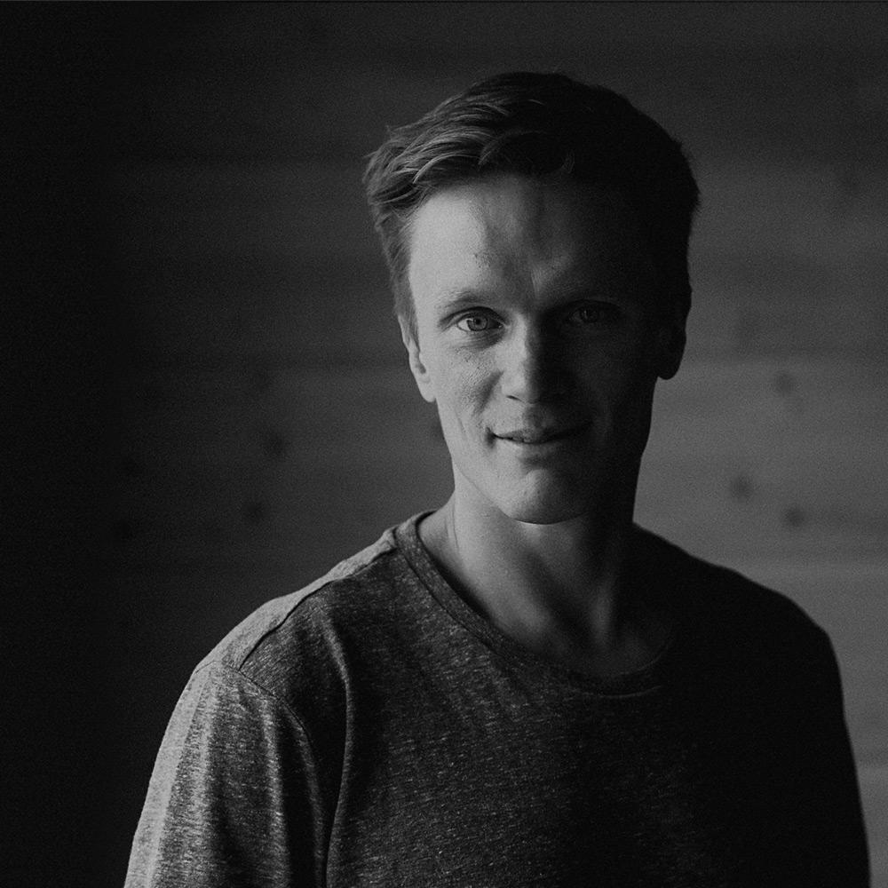 Miikka Hast - Tuotannot, myynti & tekstitmiikka@kotacollective.com050 5824 199