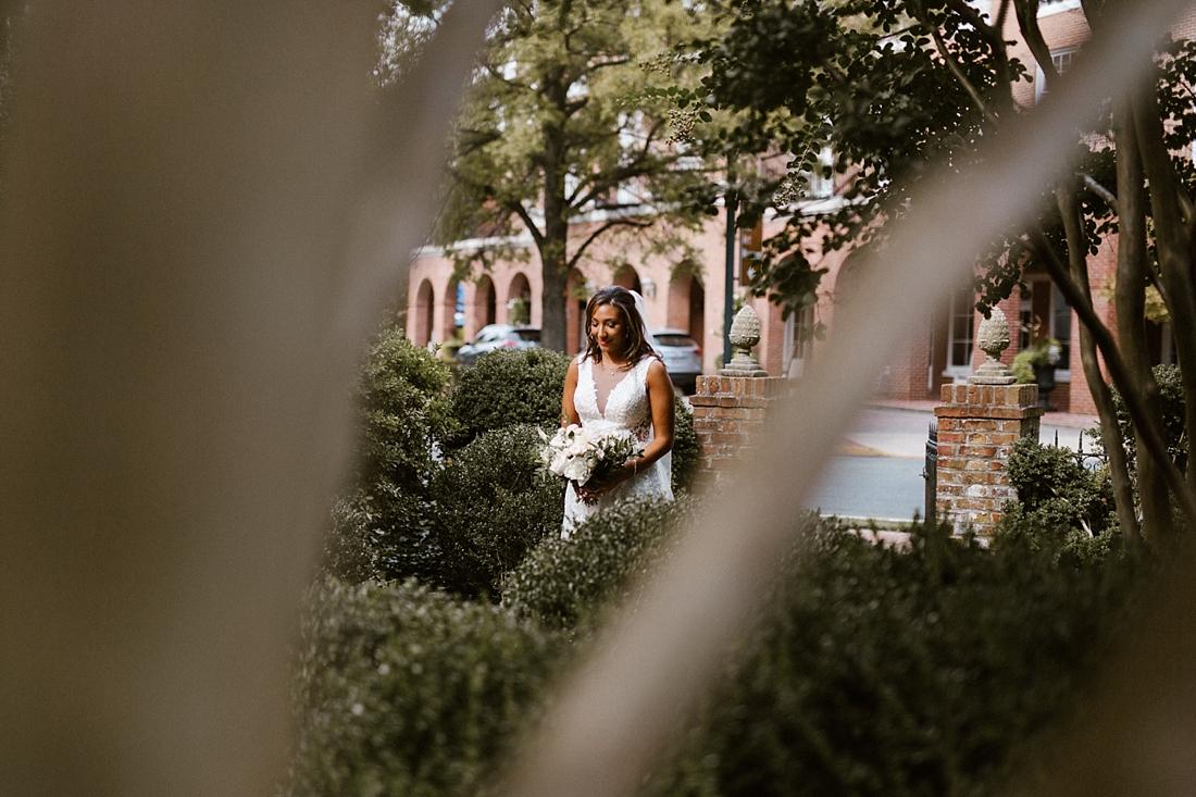 Marryland Weddings Romantic Secret Garden Wedding TIdewater Inn Victoria Selman Photography_0897.jpg
